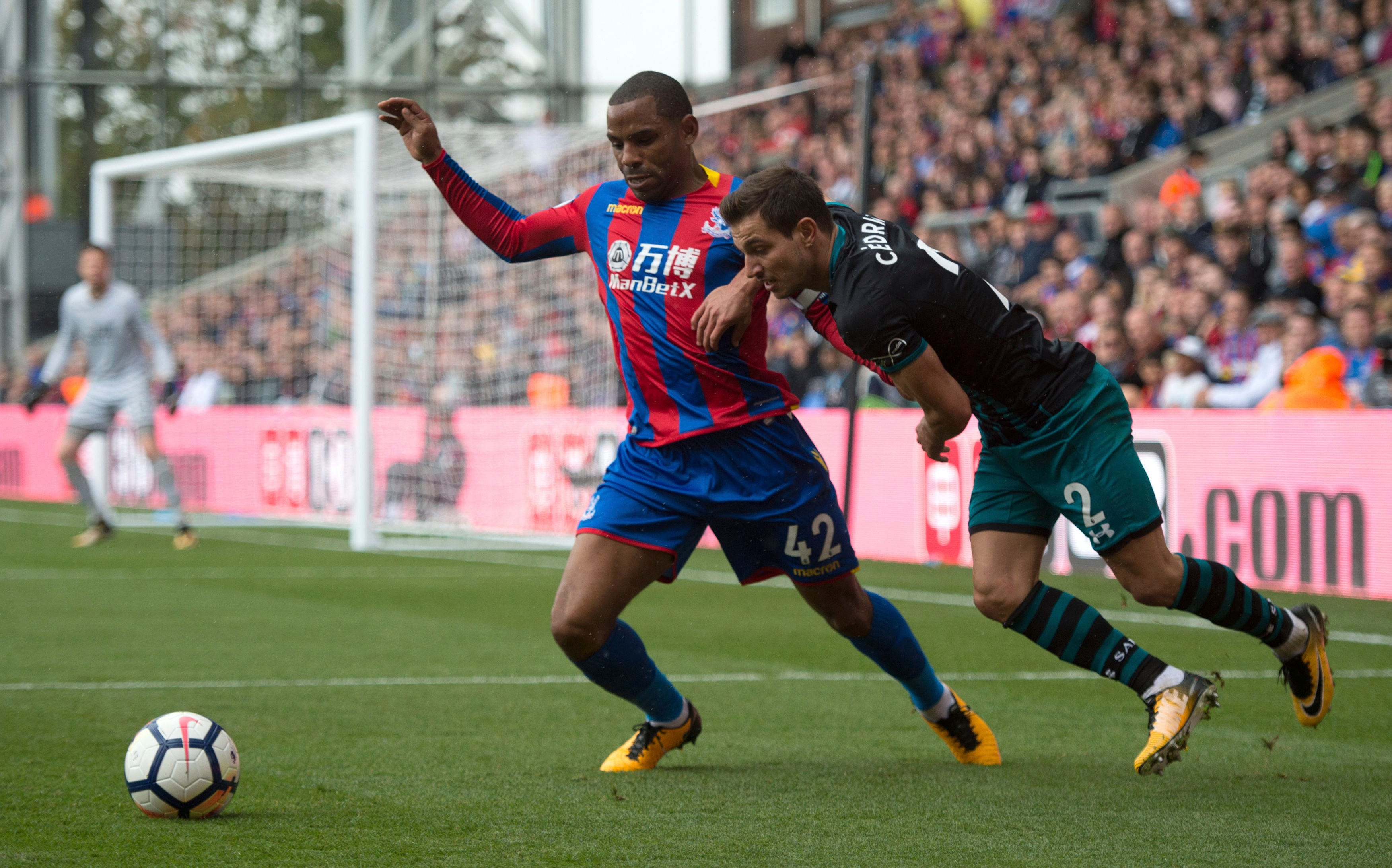 Hodgson back as Palace sets record losing start in EPL
