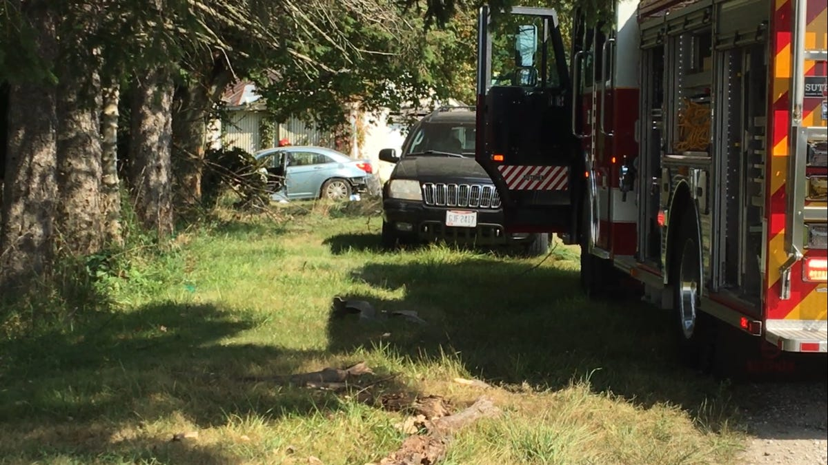 VIDEO: Car crashes into Orchard Park residence