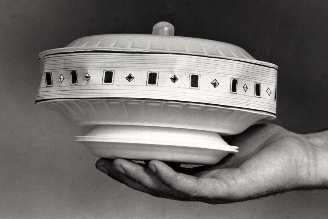 Un modello di UFO