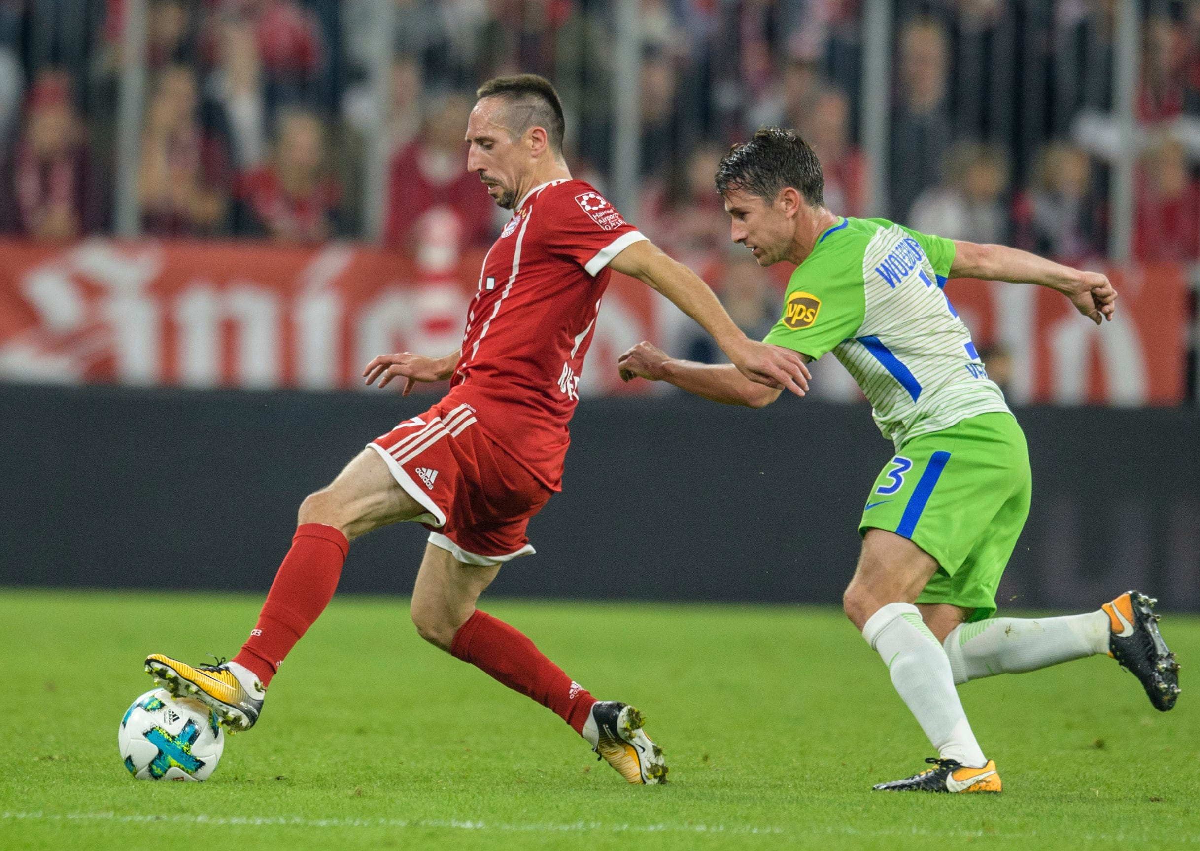Bayern lets 2-goal lead slip at home, draws with Wolfsburg