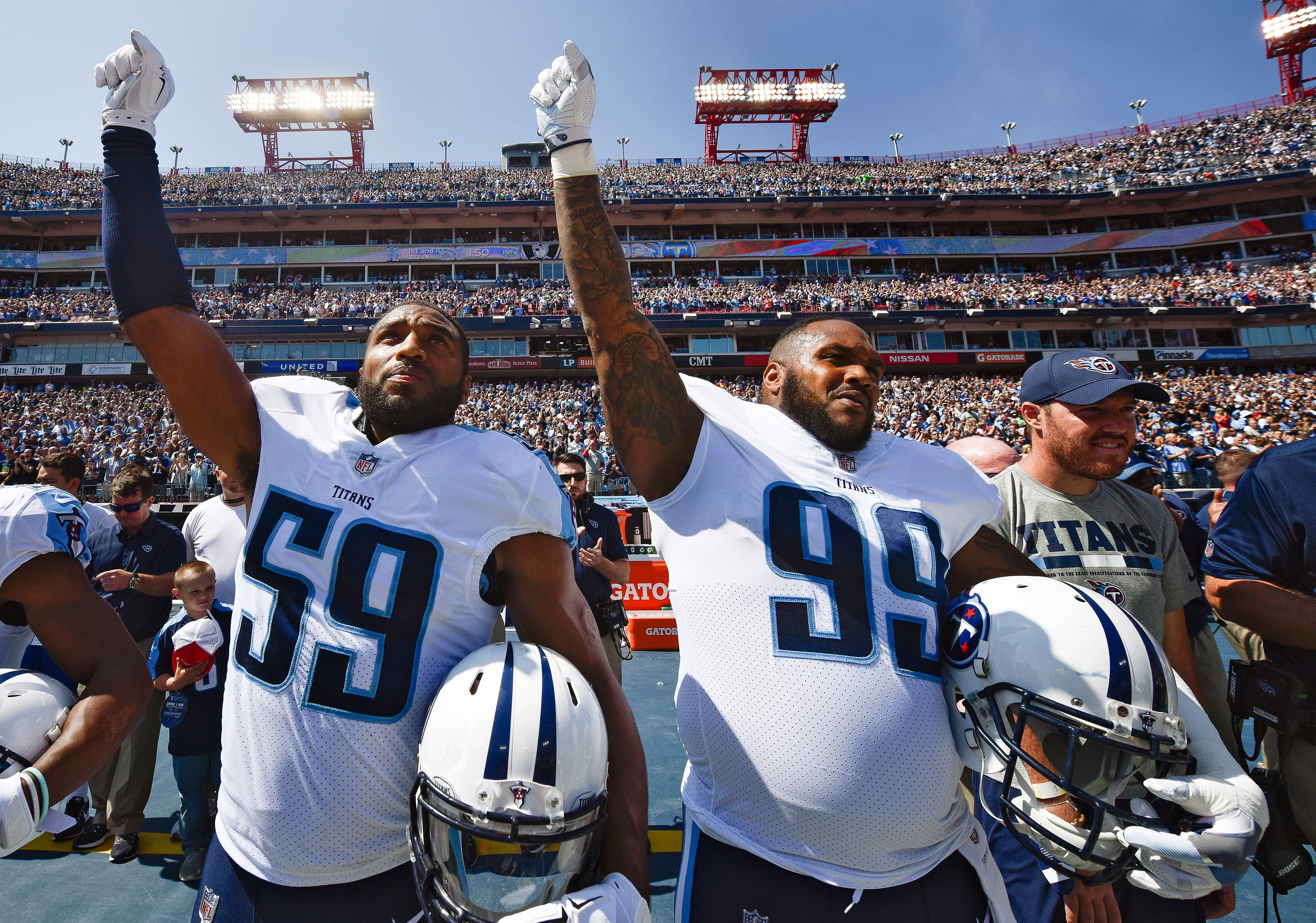 Tennessee lawmaker threatens to give up season tickets if Titans protest during national anthem