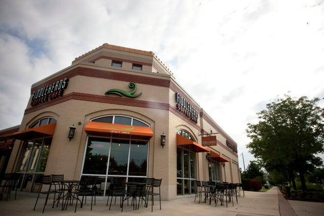 The Fiddleheads cafe at Bayshore in Glendale never reopened after the lockdown; now it's permanently closed. The coffee roaster is opening a new cafe 3 miles away in Shorewood.