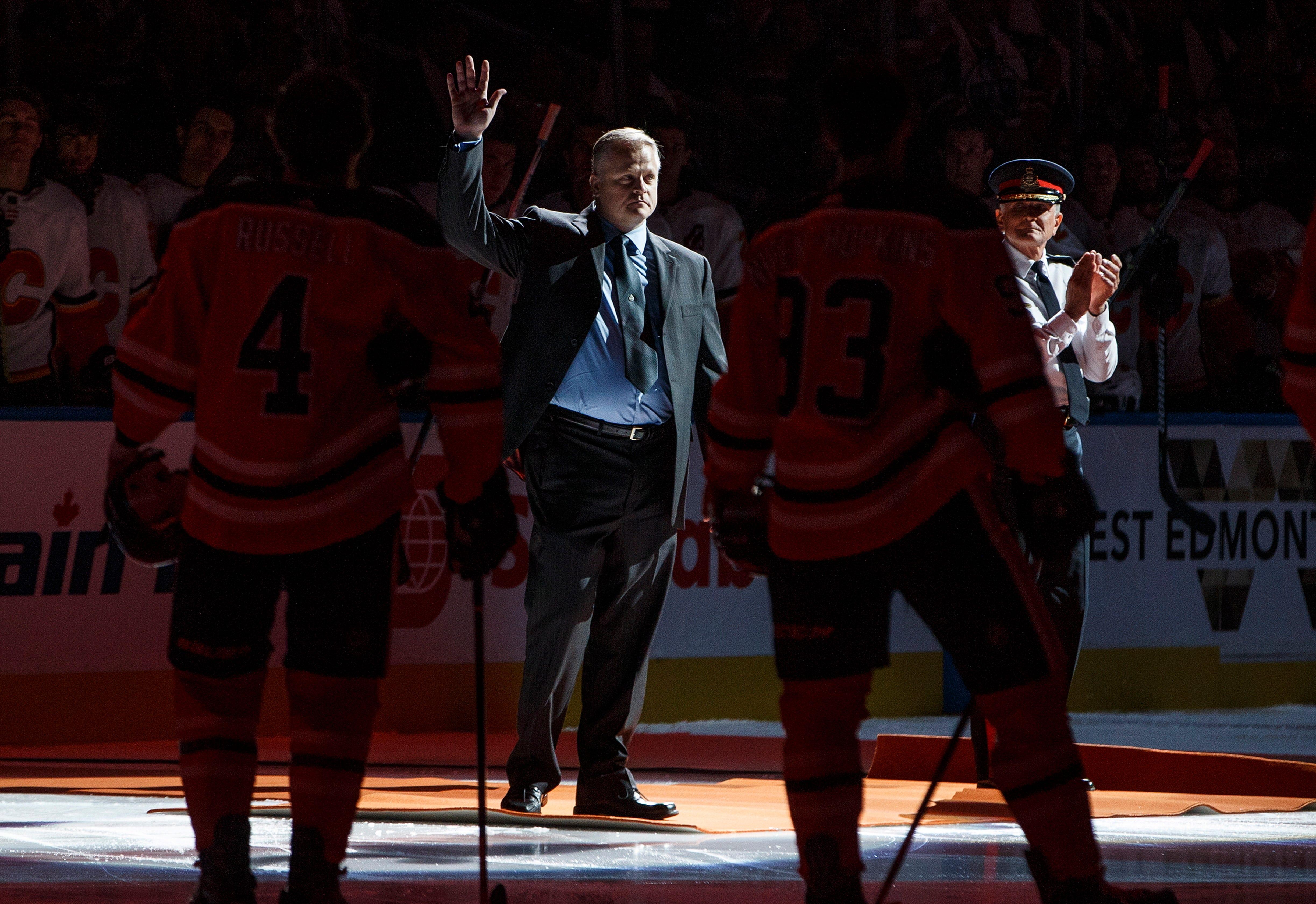 McDavid scores hat trick, Oilers blank Flames 3-0 in opener