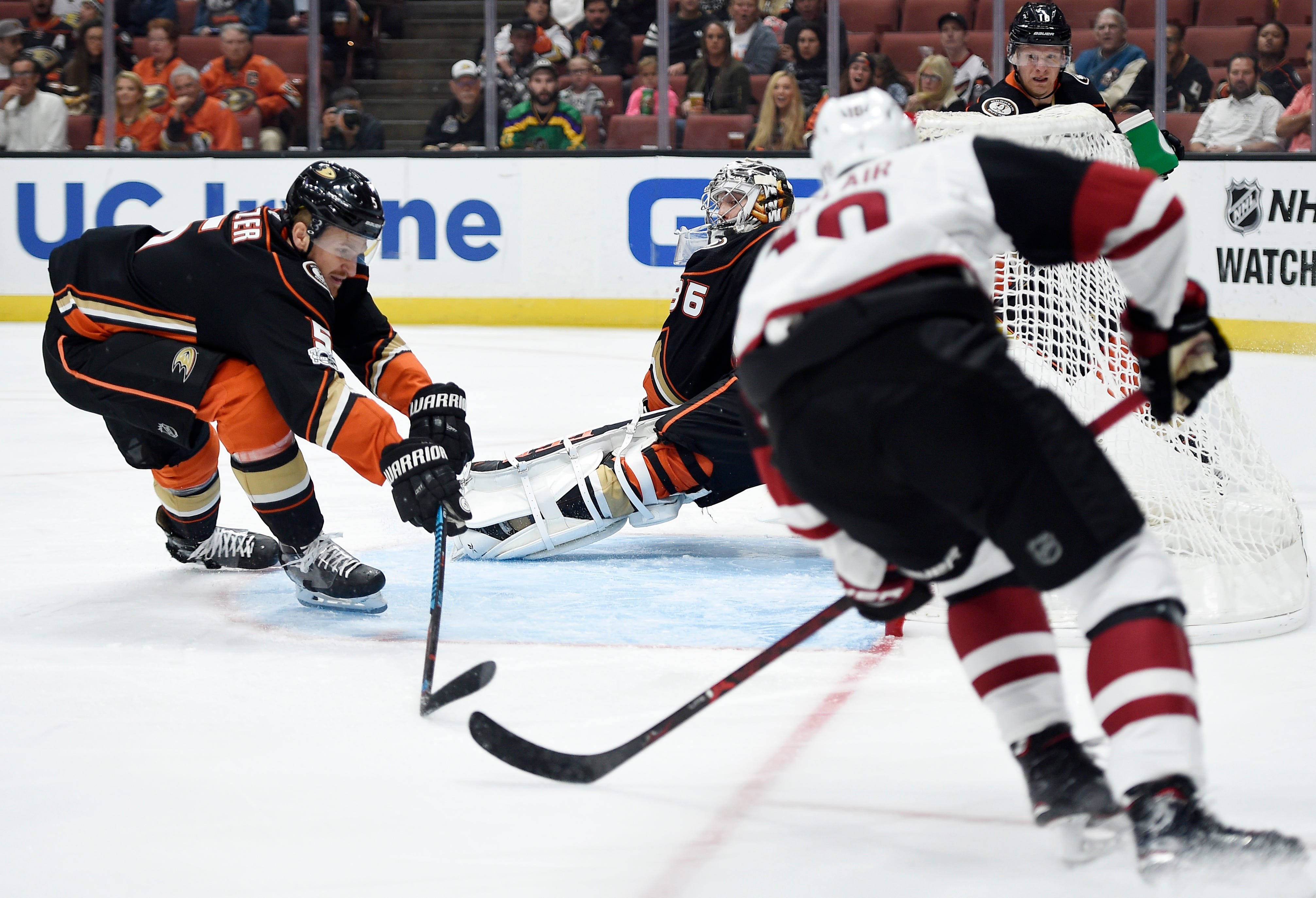 Ducks rally from 3 goals down to beat Coyotes 5-4
