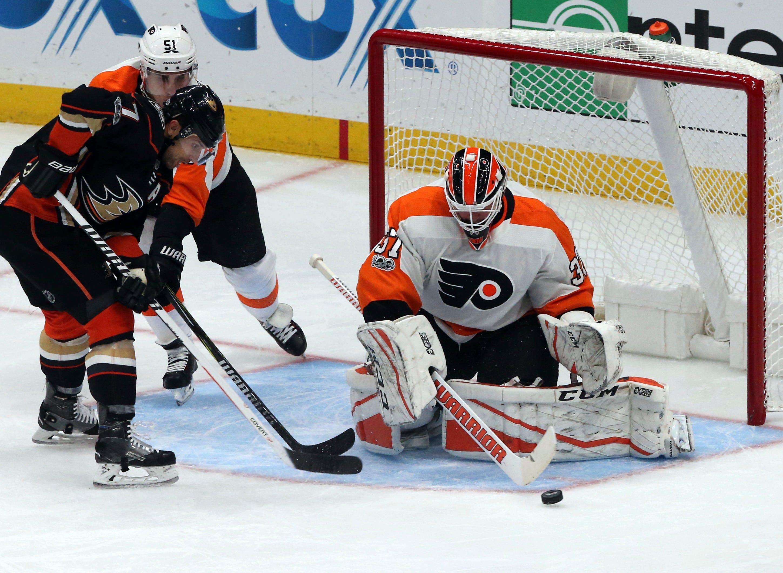 Wayne Simmonds scores in OT, Flyers beat Ducks 3-2