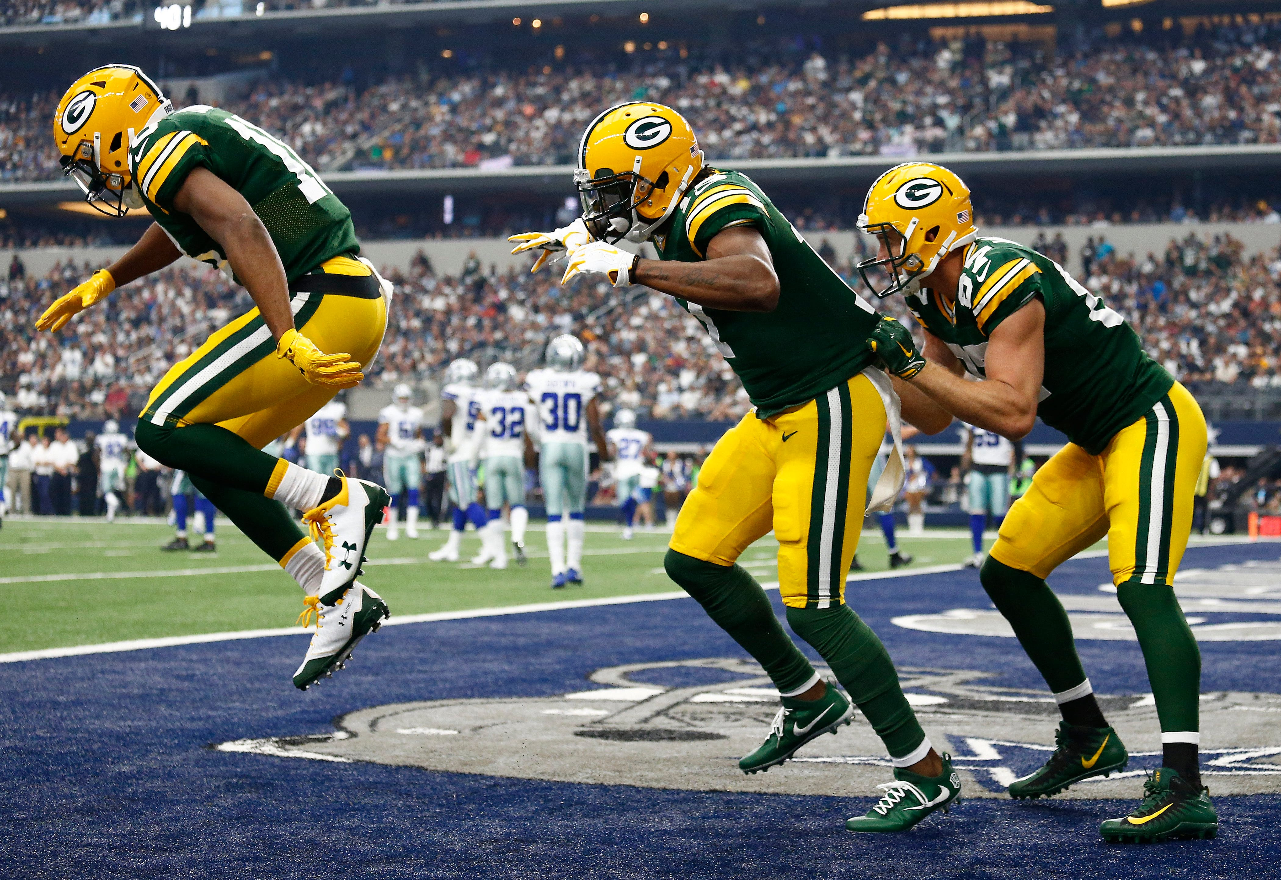 Packers did amazing bobsled team TD celebration