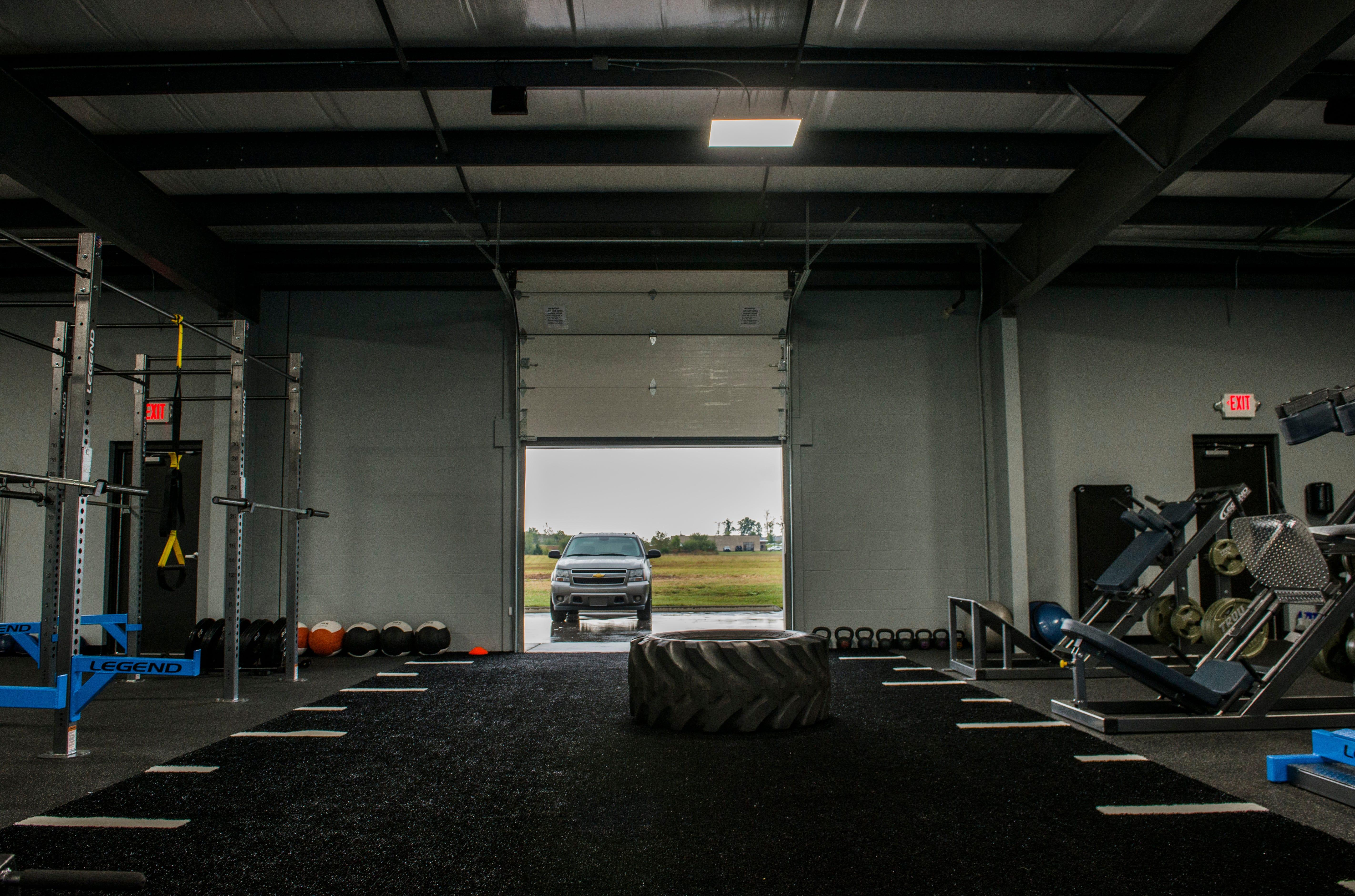 The garage fitness training facility antifeixista