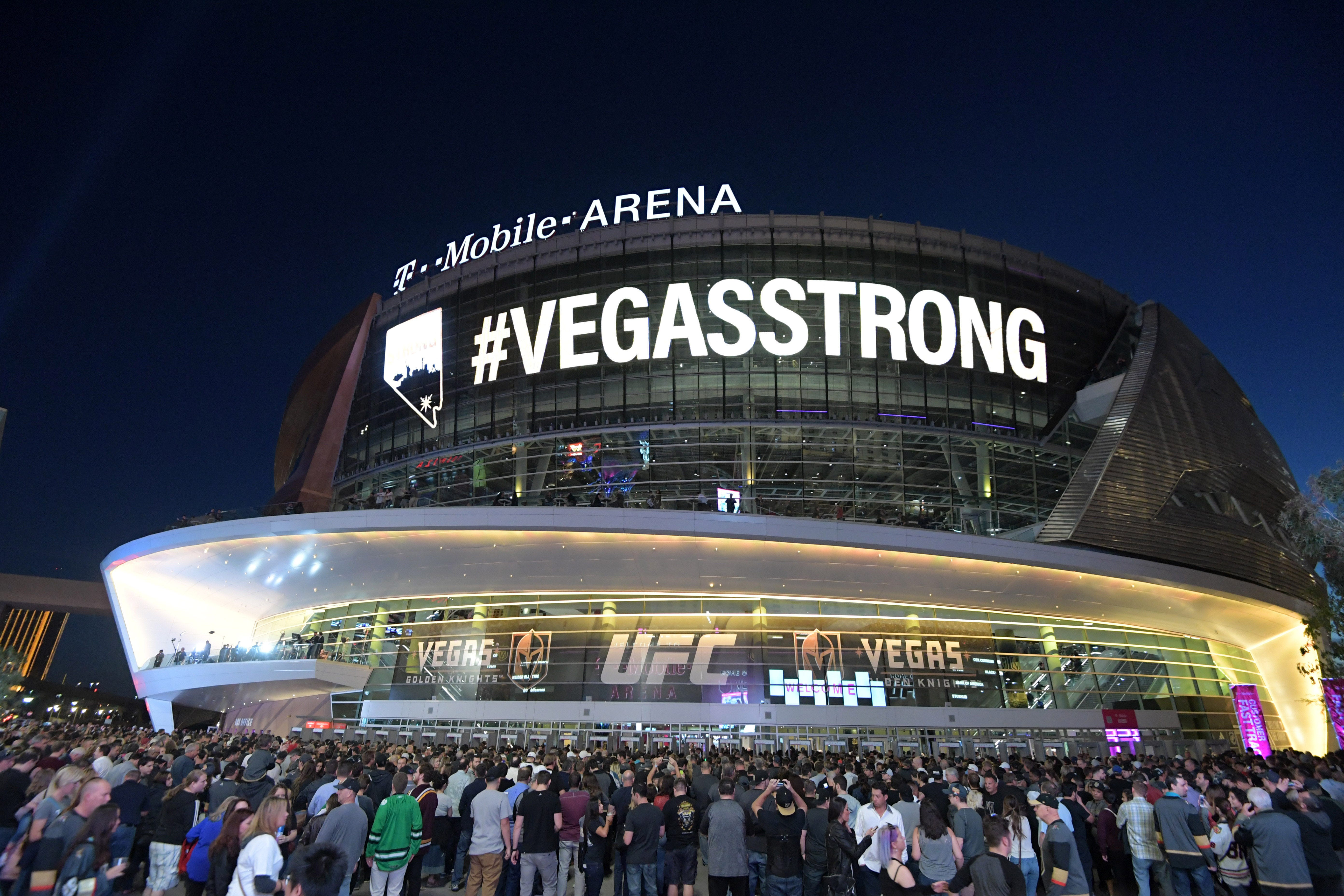 Golden Knights hold moving ceremony to honor Las Vegas shooting victims, first responders