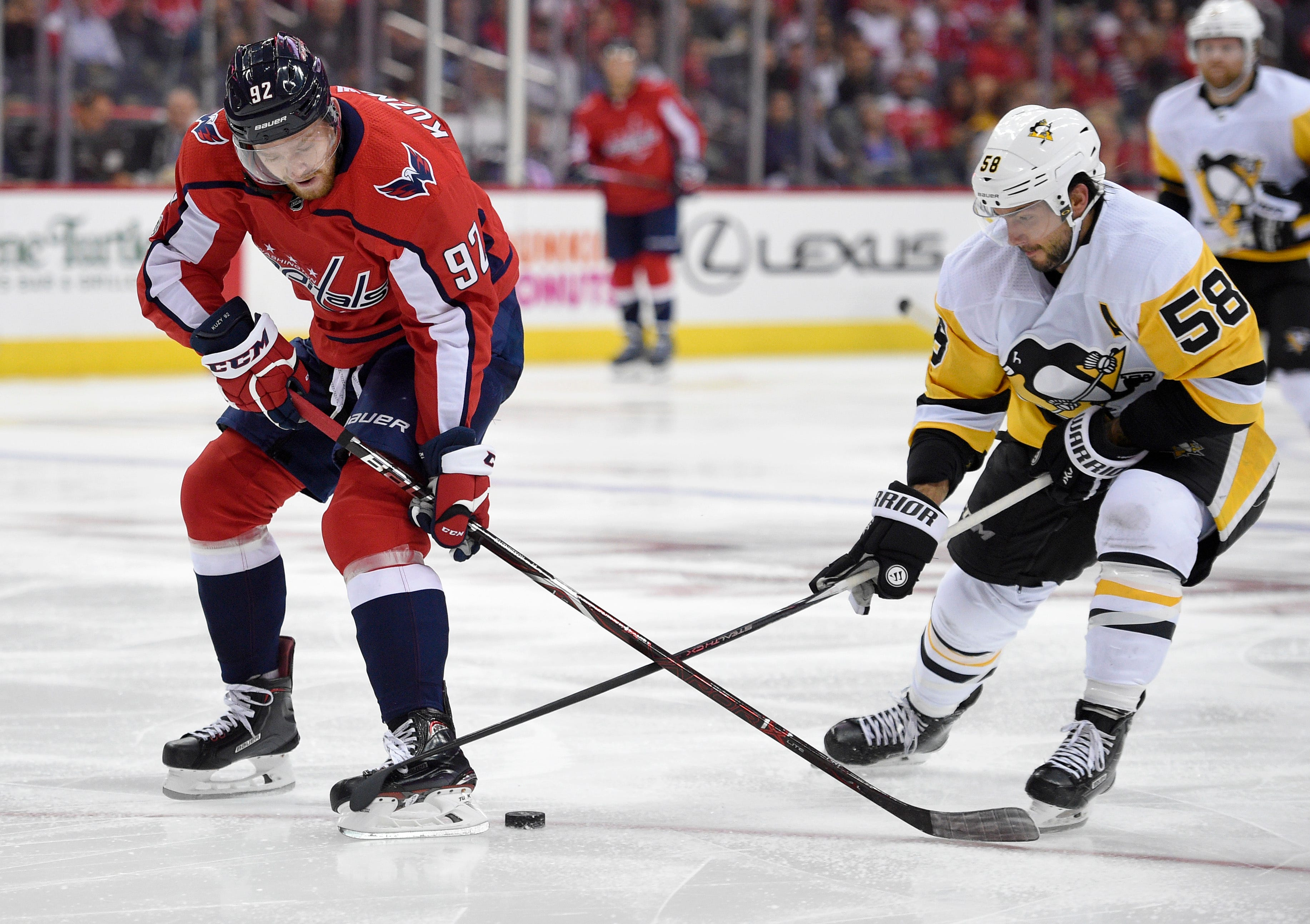 Hornqvist has 2 points in season debut, Pens beat Caps 3-2