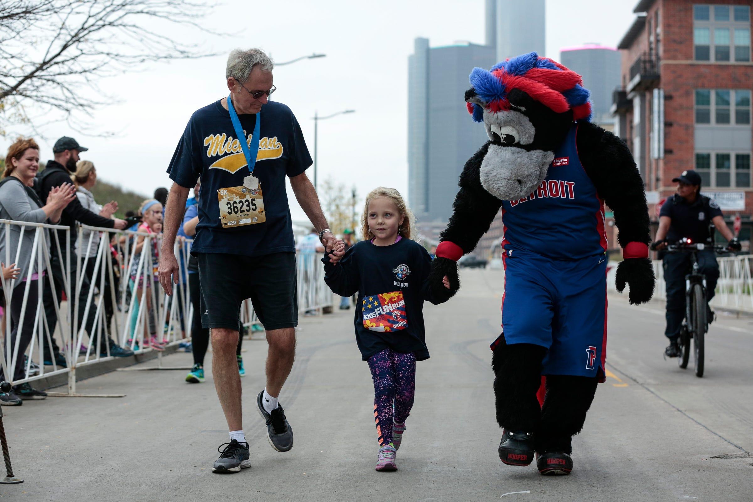 http://www freep com/picture-gallery/sports/marathon/2017/10