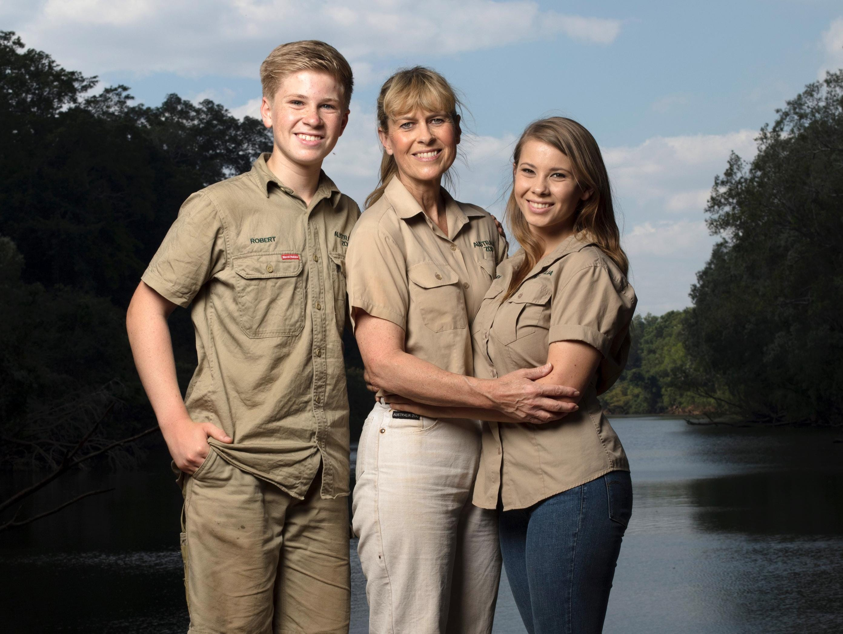 Family of late 'Crocodile Hunter' rejoins Animal Planet