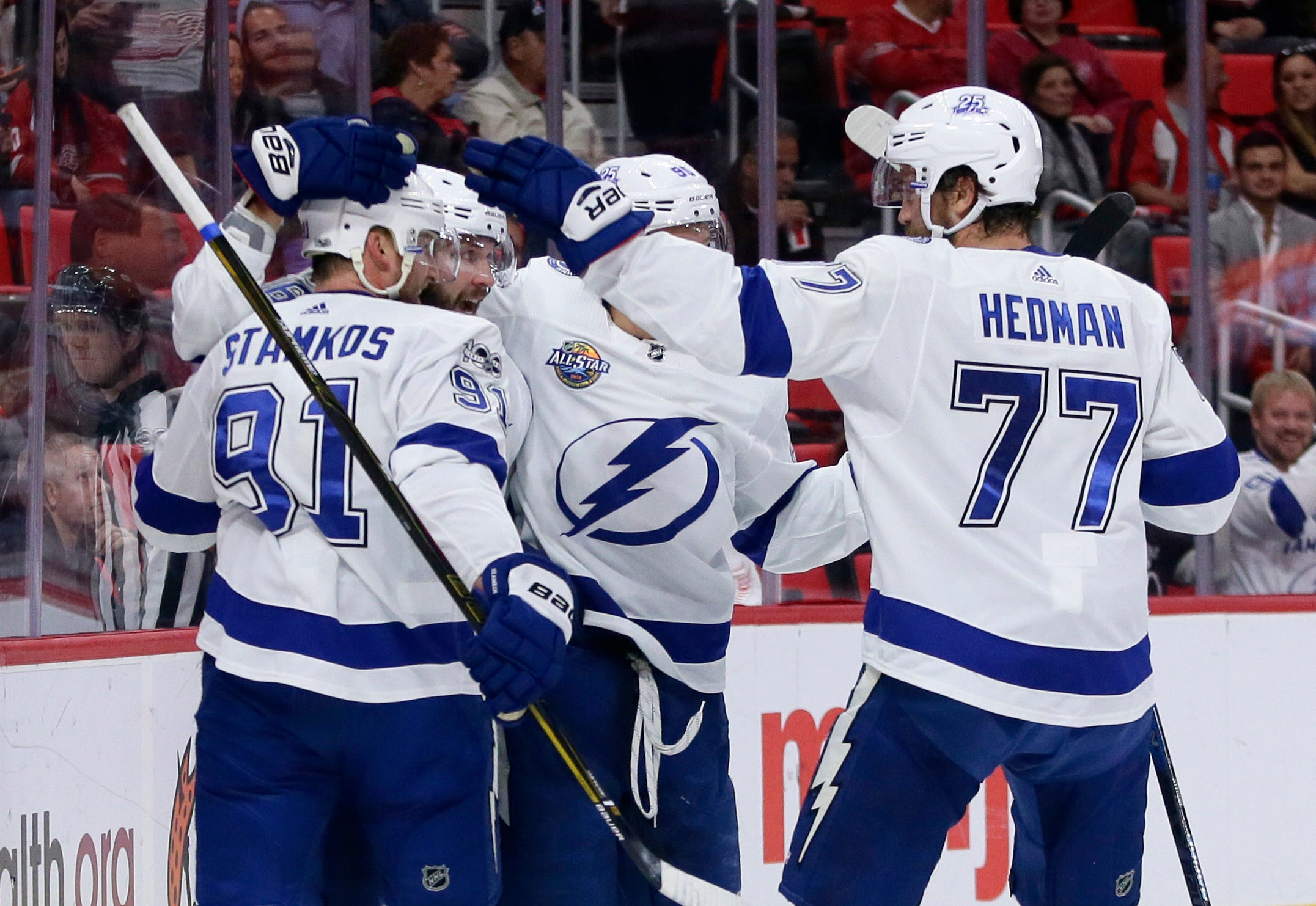 Stamkos back, quietly helping Lightning to strong start