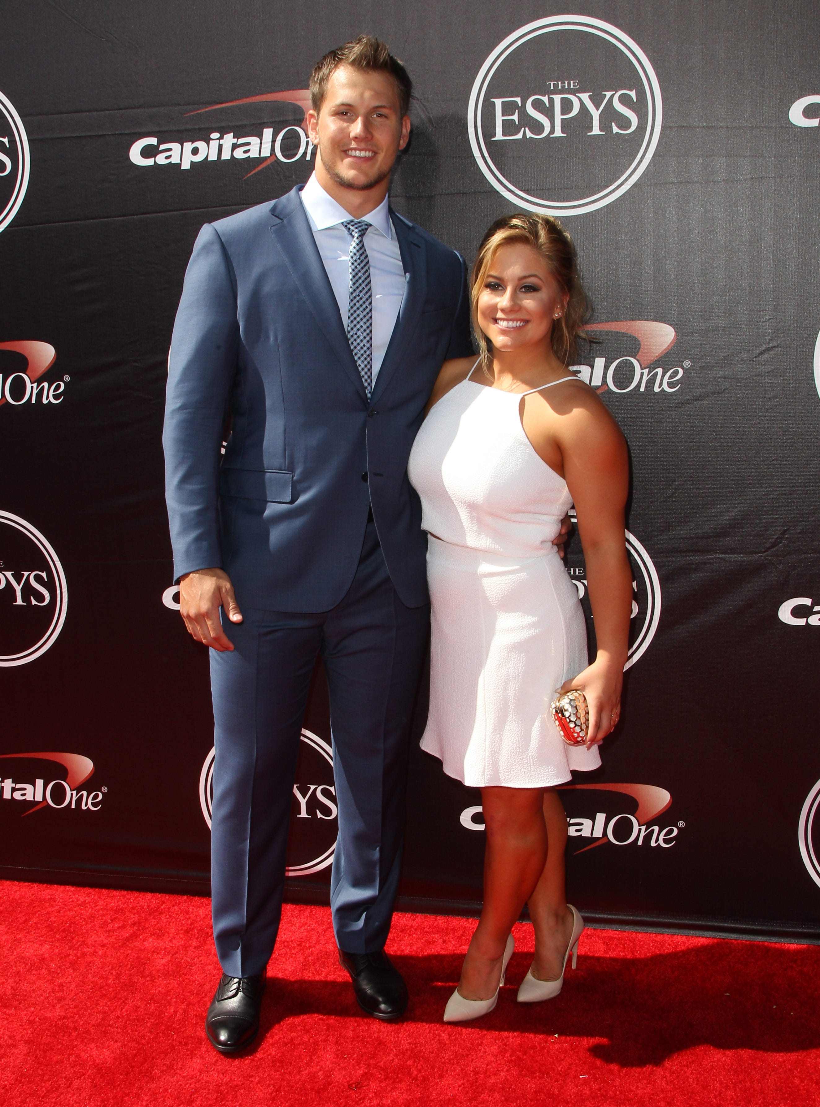 Former Olympian Shawn Johnson shares heartbreaking story of miscarriage