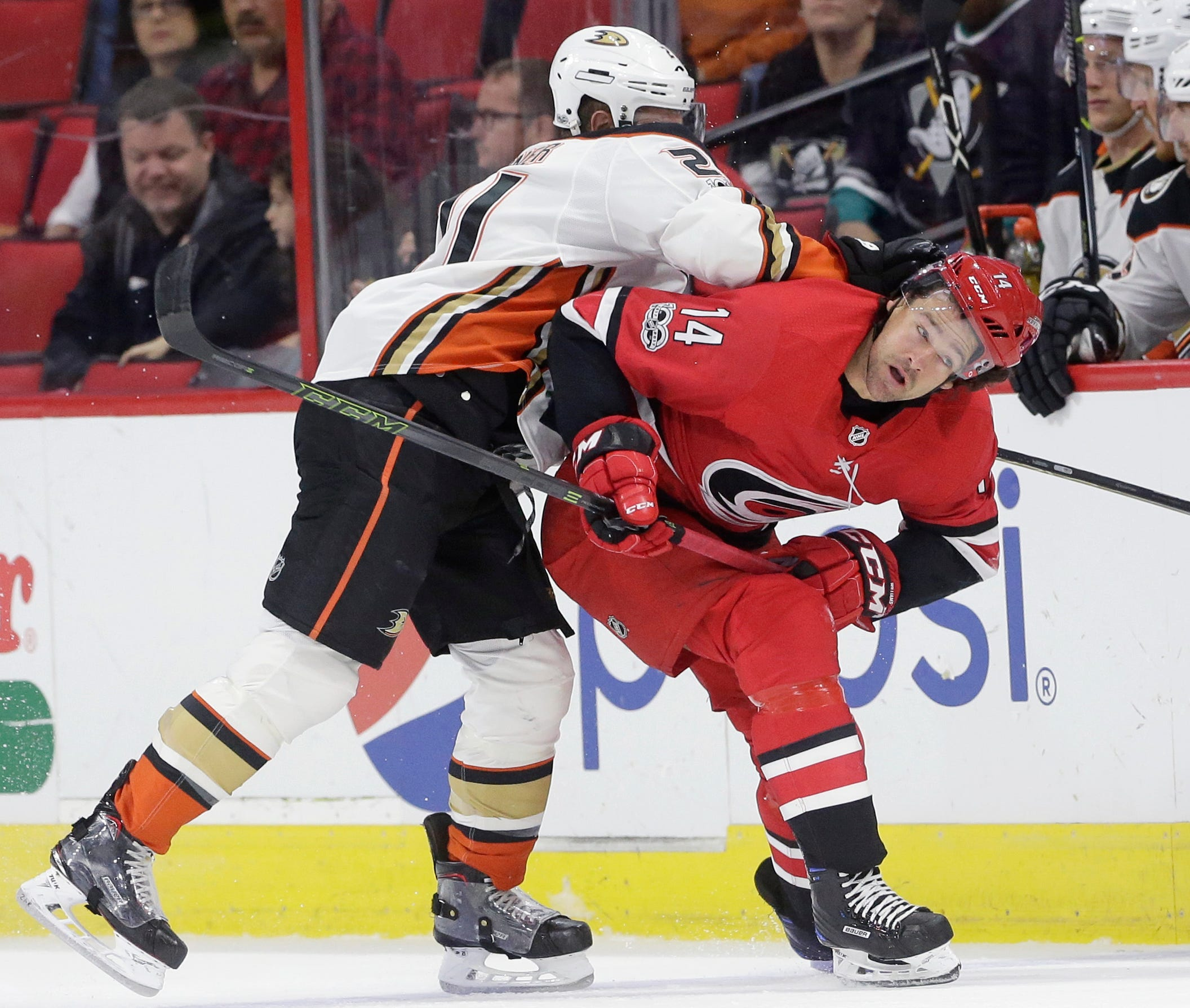 Perry scores in shootout to lift Ducks past Hurricanes