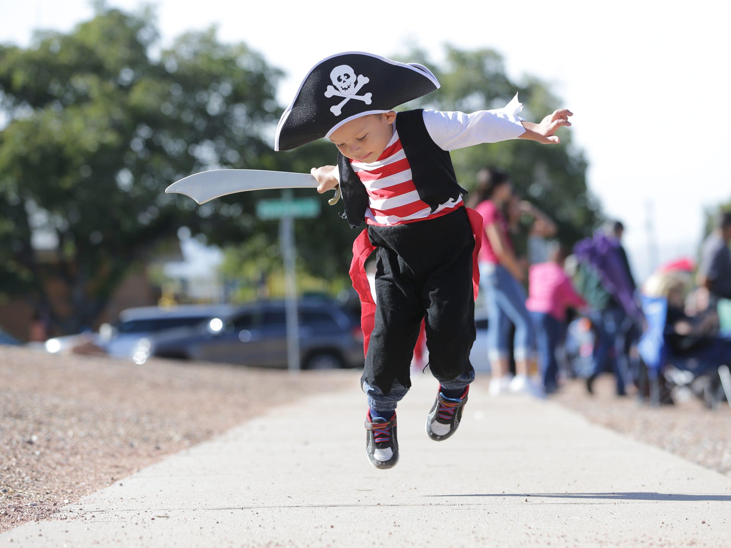 Album Park El Paso Halloween 2020 Photos: The KLAQ Halloween Parade