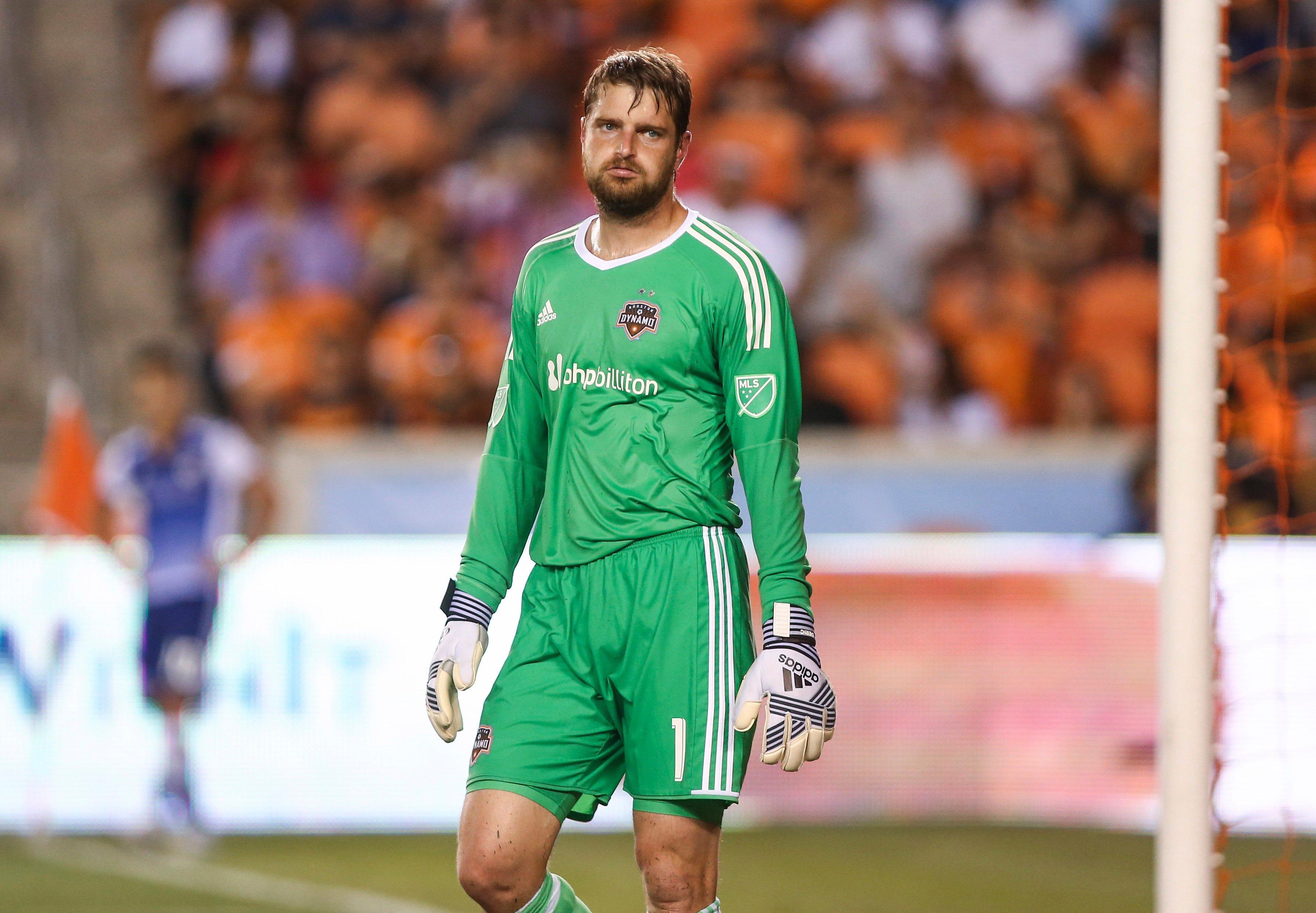 Houston Dynamo goalkeeper Tyler Deric suspended after assault arrest