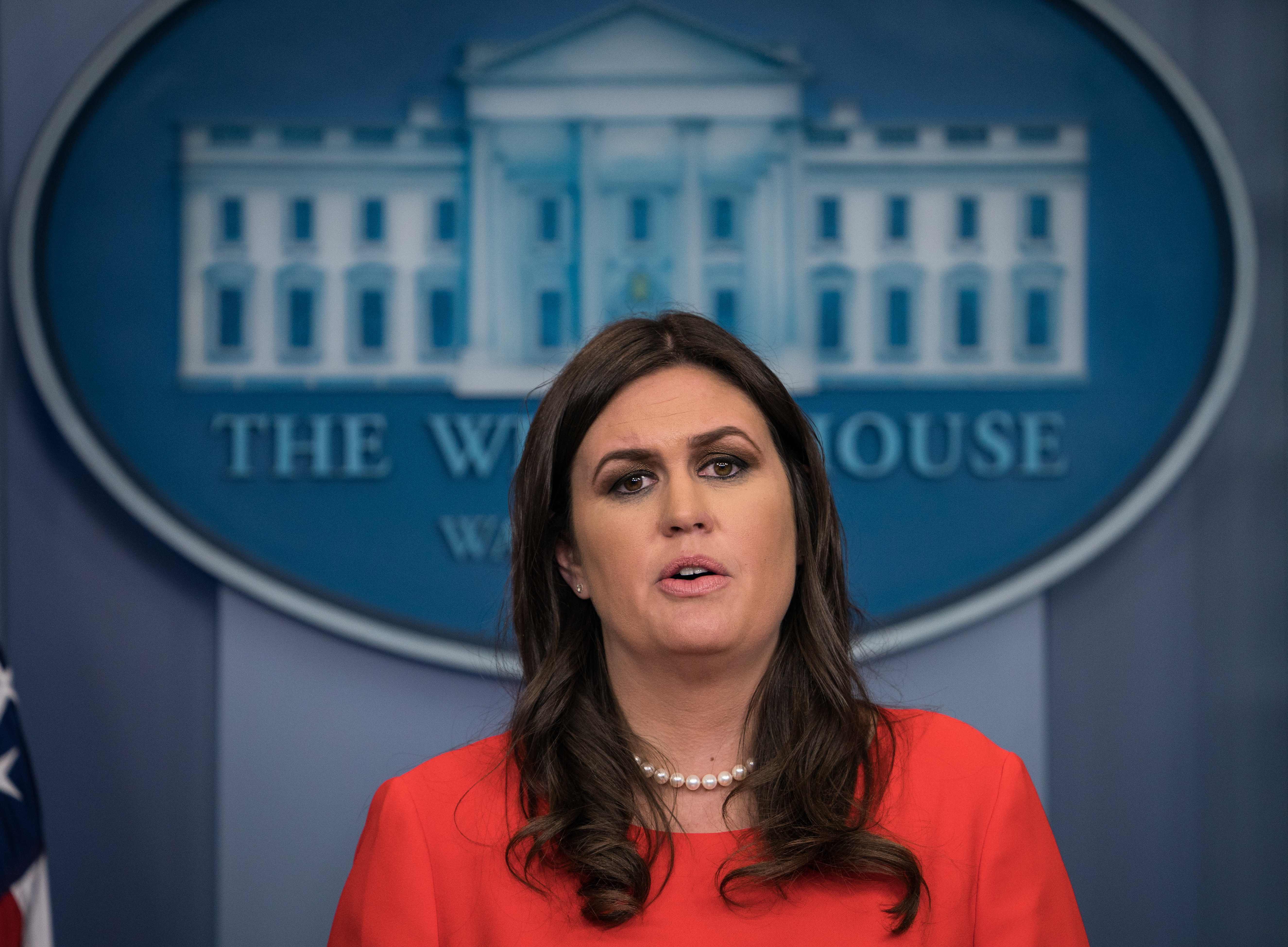 L.A. Times columnist apologizes for 'insensitive' description of Sarah Huckabee Sanders