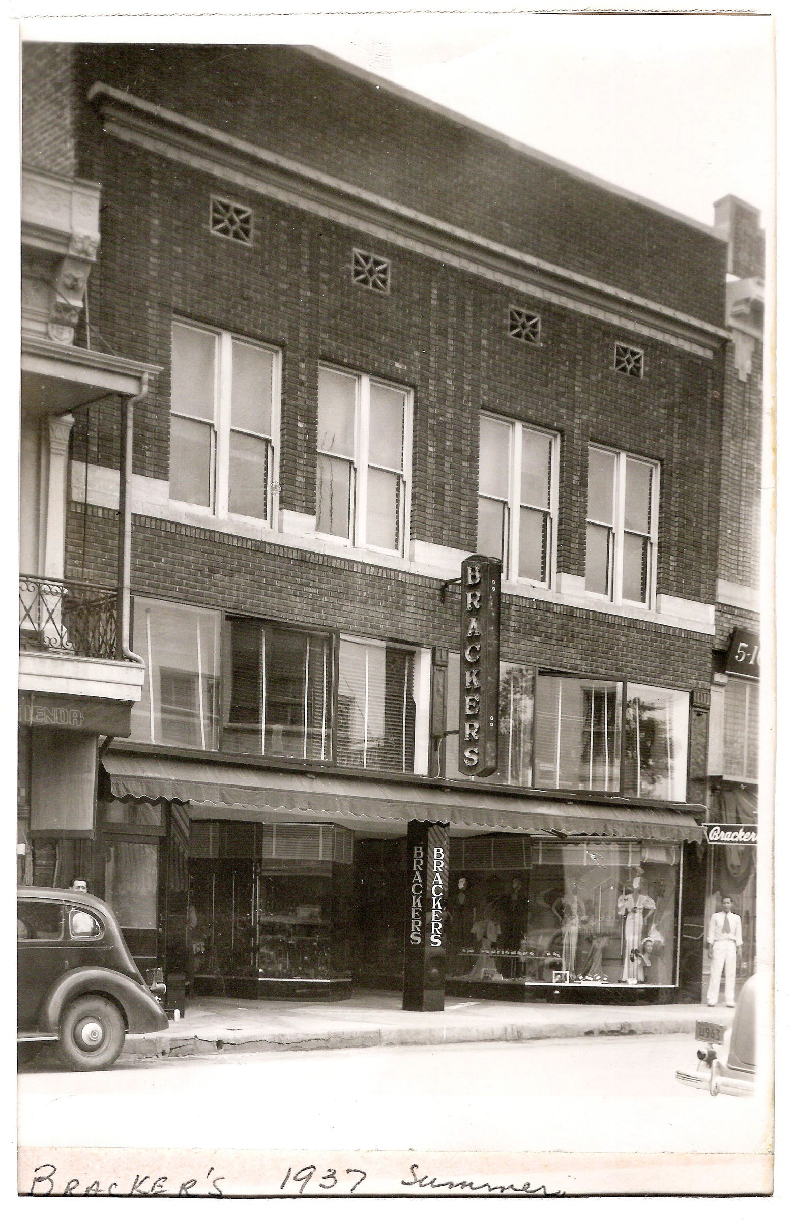 An archive photos of Bracker's third location, in 1937.