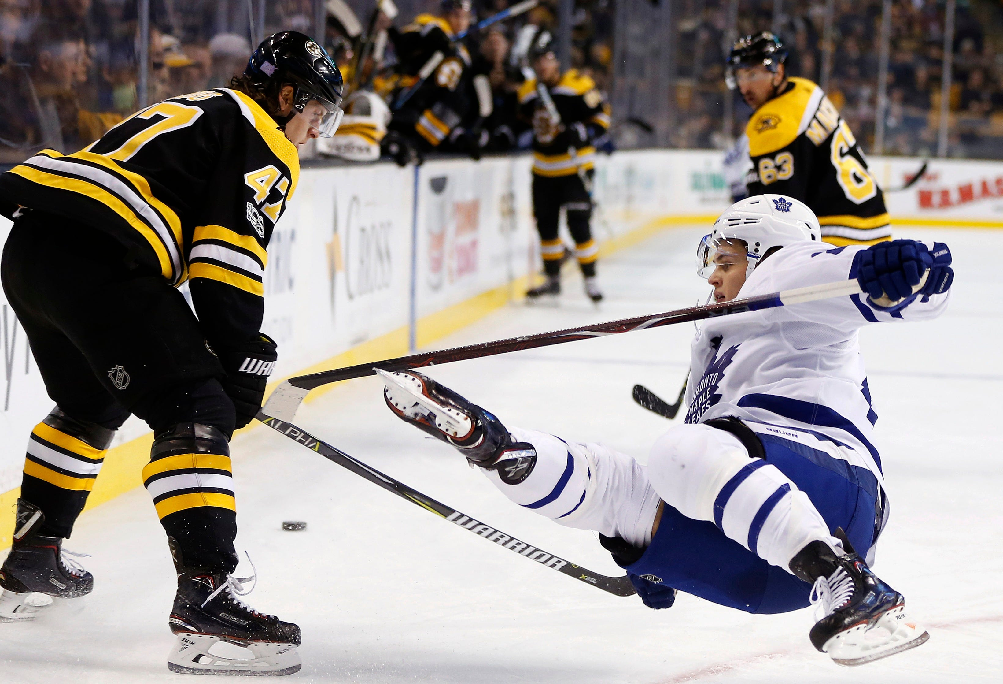 Marner, van Riemsdyk lead Maple Leafs past Bruins, 4-1