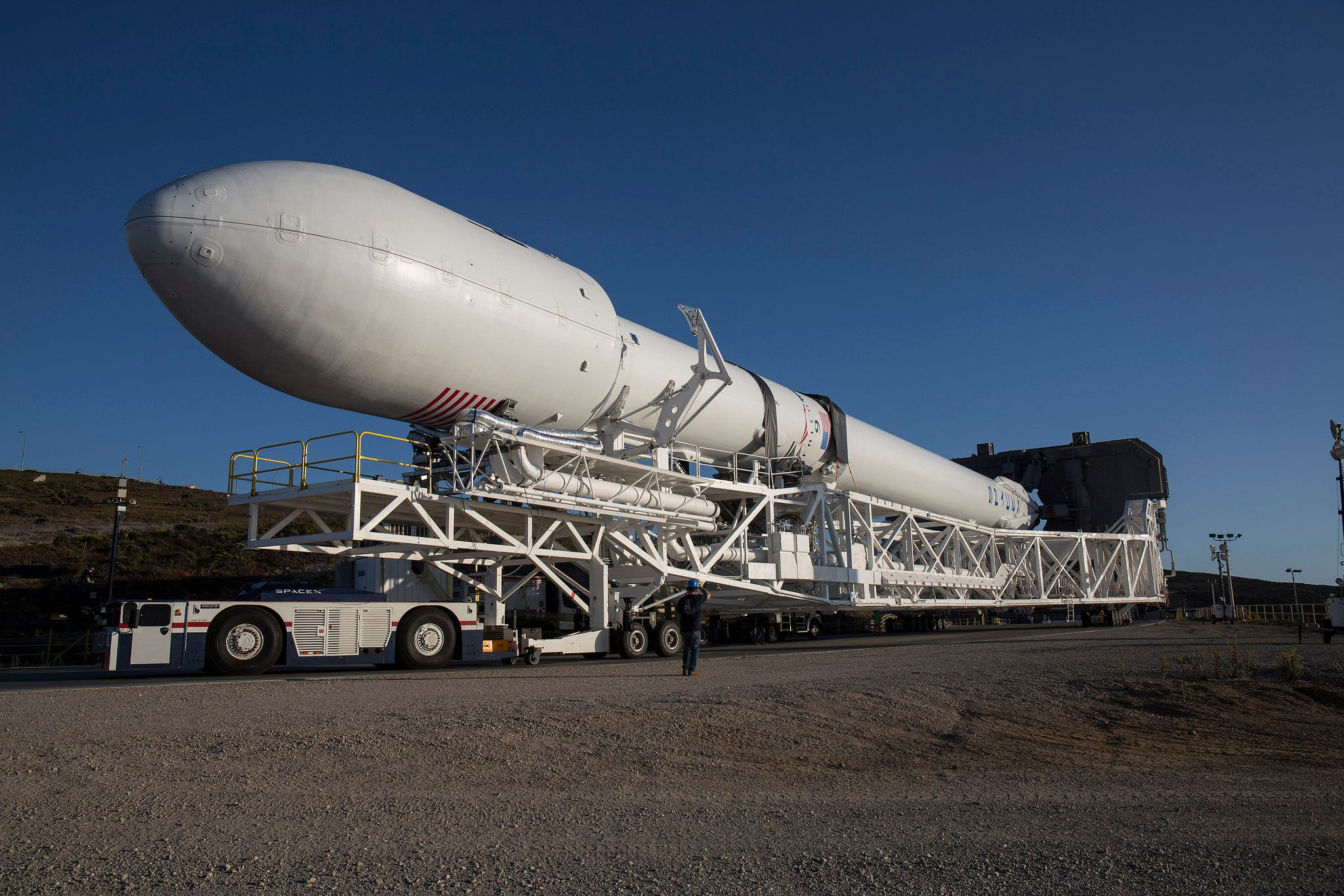 SpaceX studying Falcon rocket nose cones before proceeding with KSC launch