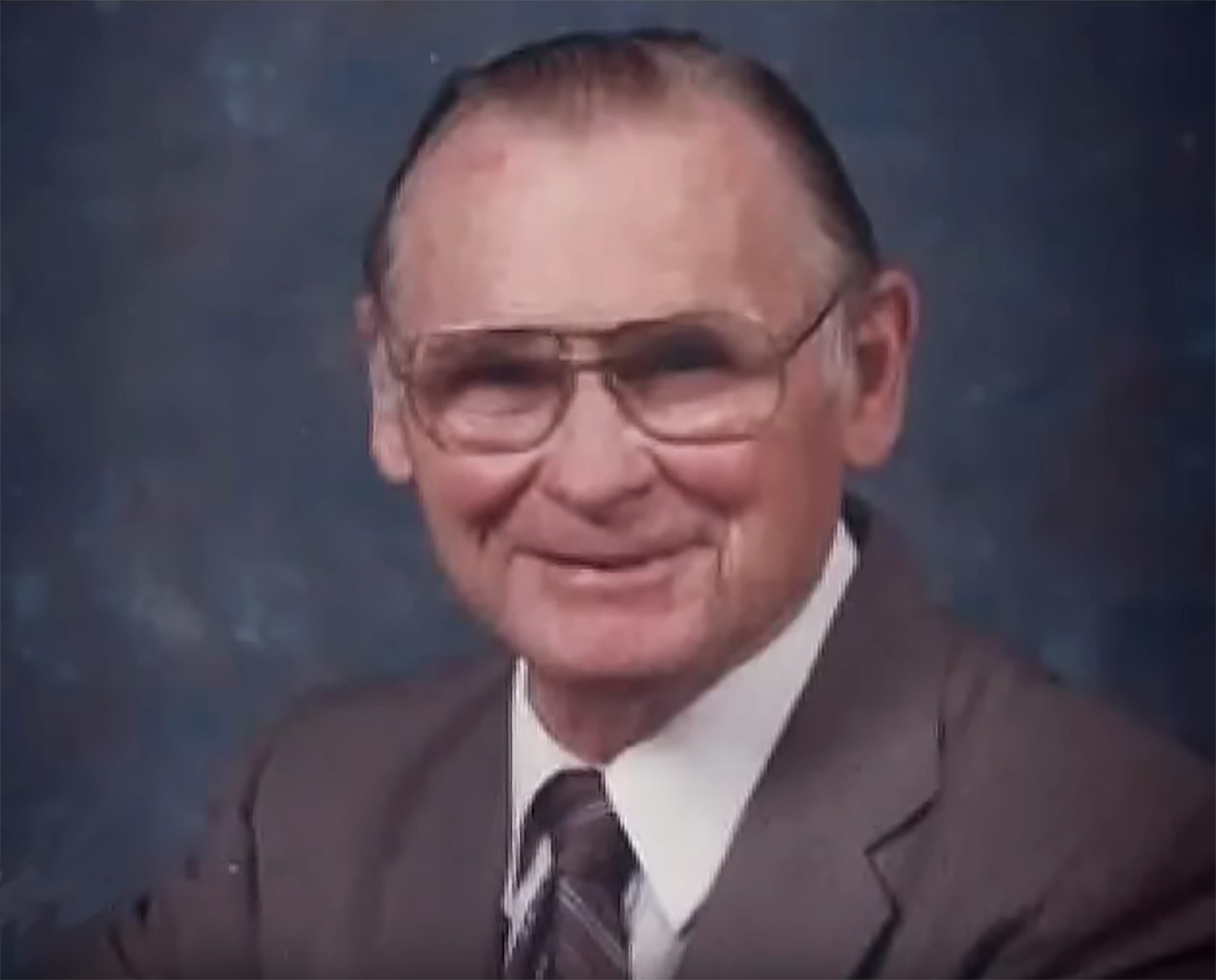 Hidden camera shows how WWII veteran died after calling for help, gasping for air
