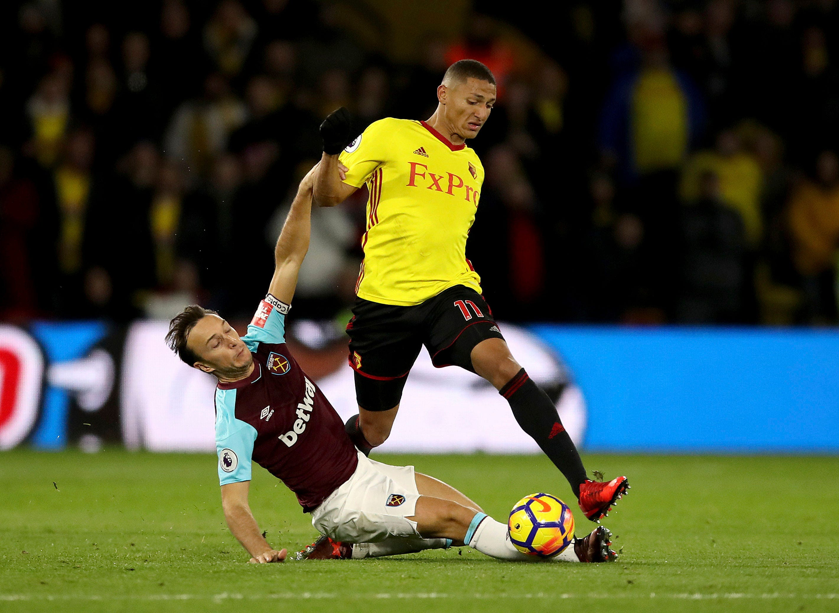 West Ham loses 2-0 at Watford in 1st match under Moyes