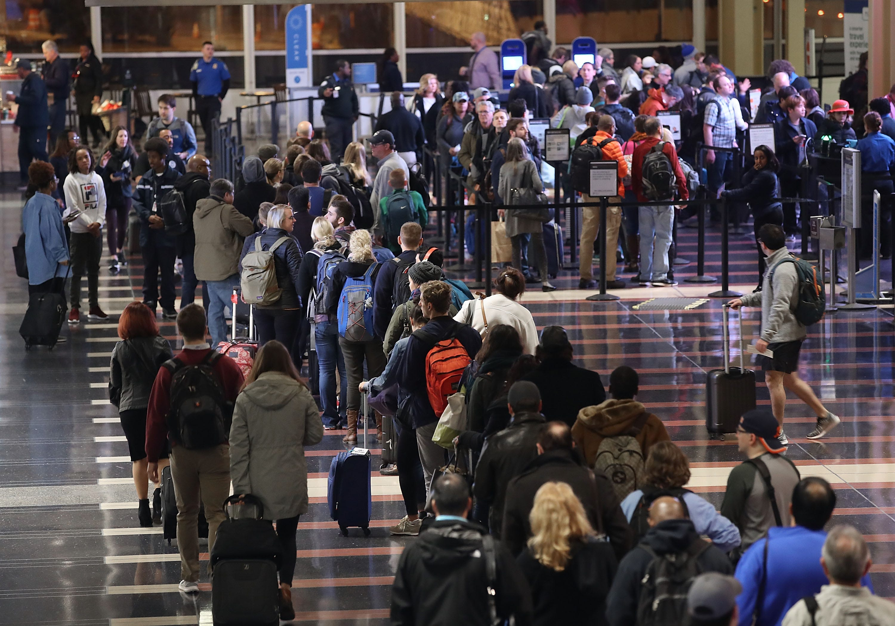 4,800+ flights delayed, 840+ canceled ahead of busy Easter, Passover travel weekend