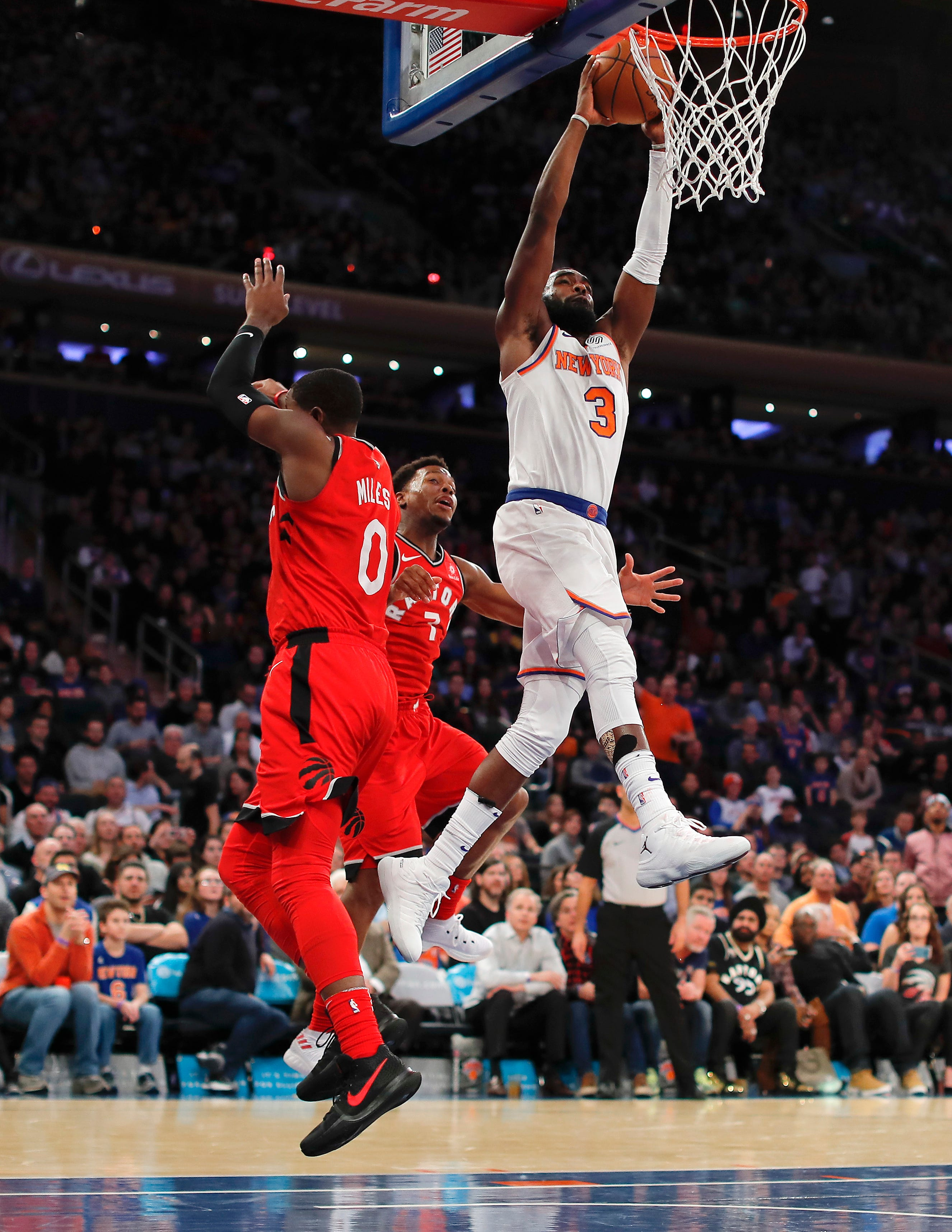 Hardaway scores 38 as Knicks make a run in second half to top Raptors