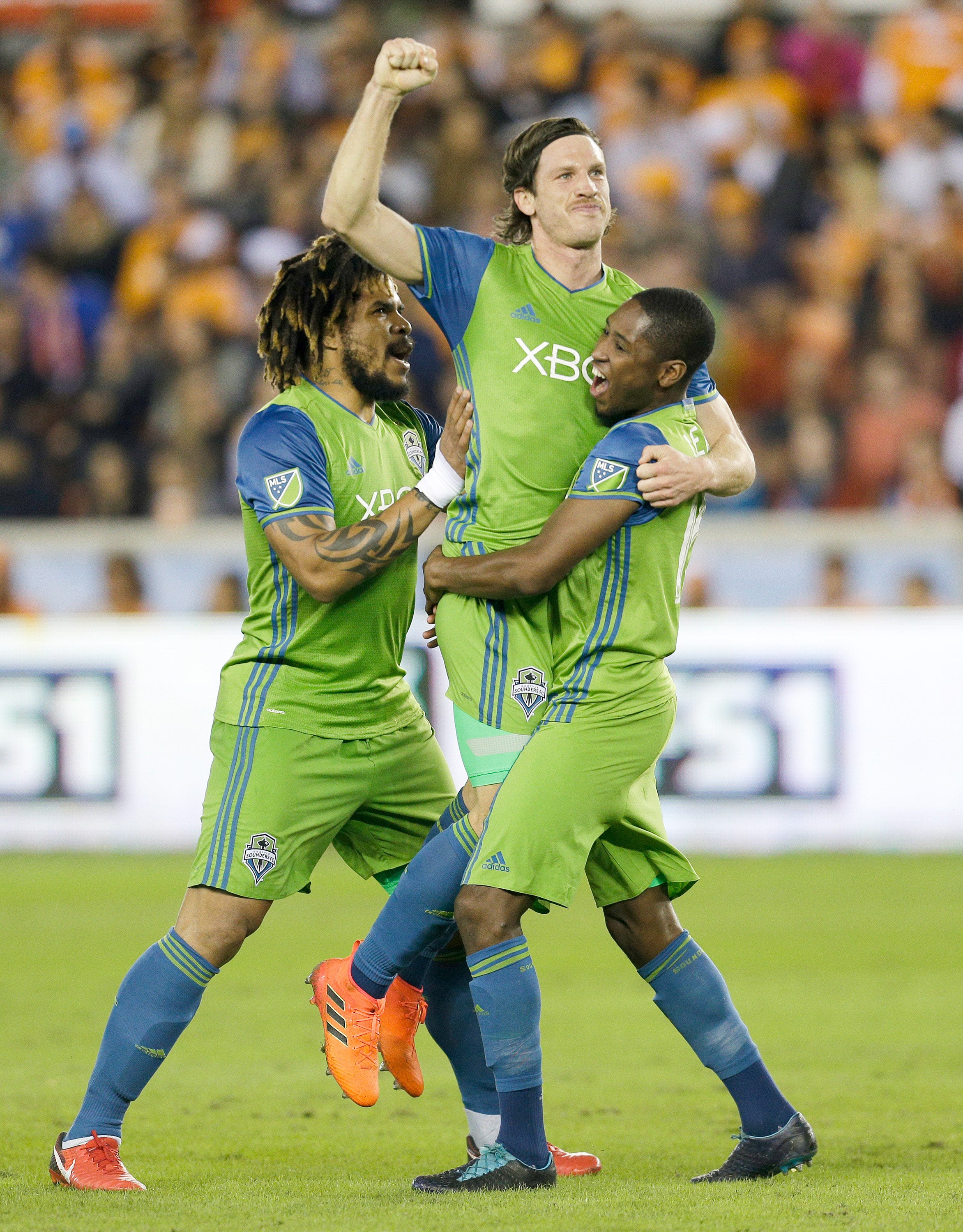 Seattle Sounders dominate Houston Dynamo in first Western Conference final leg
