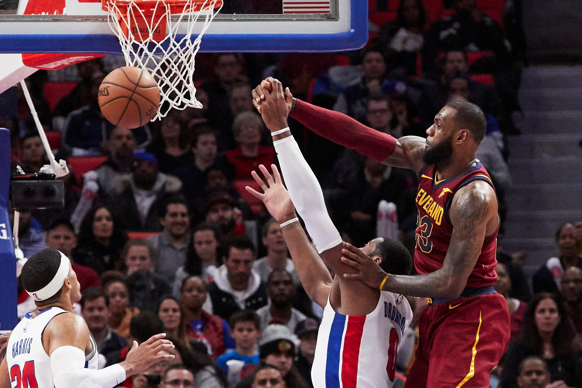 NBA Week 5 conclusions: Cavs' defense isn't awful, and are the Clippers due for a major shake-up?