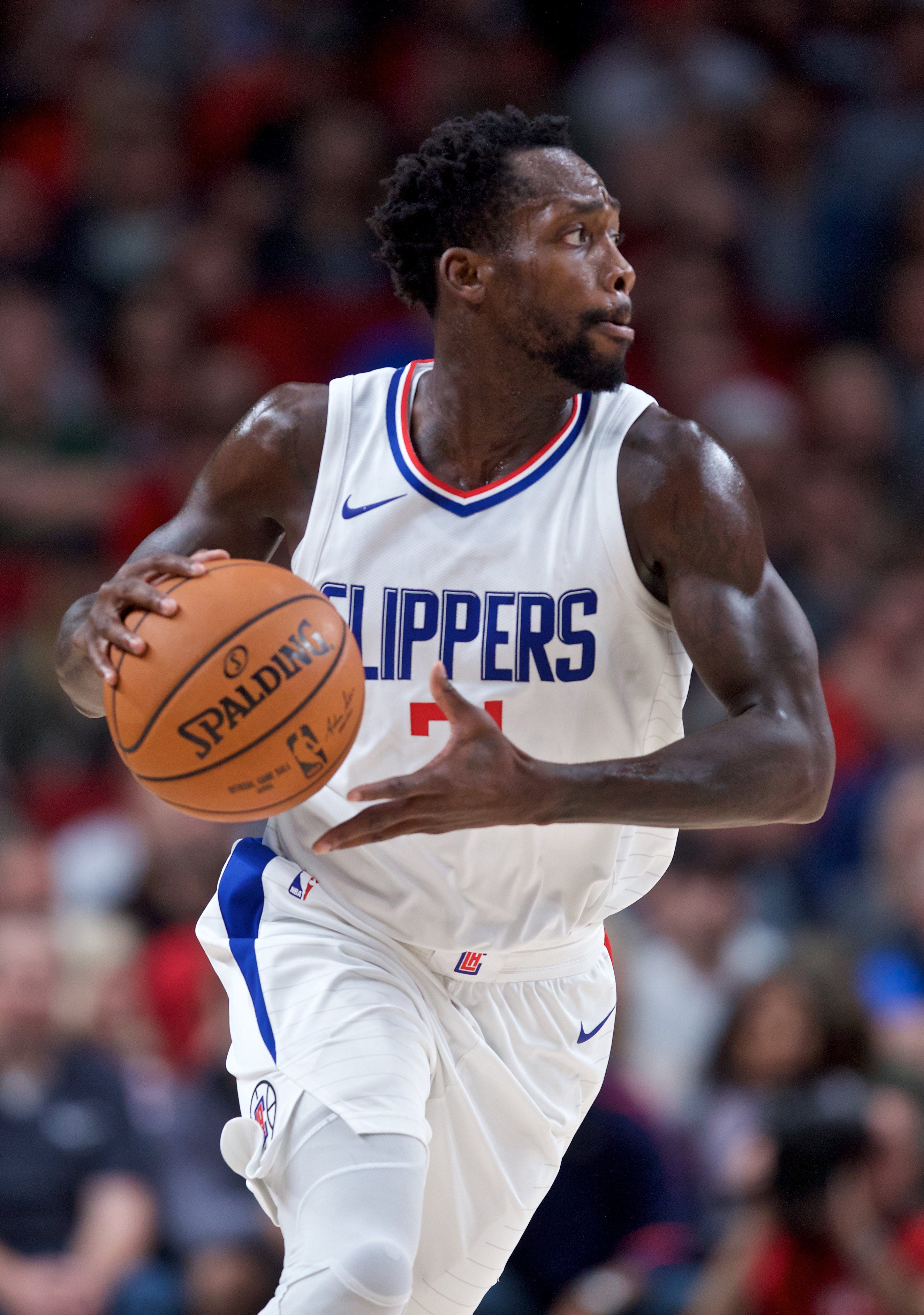 Clippers' Patrick Beverley undergoes knee procedure, expected to miss rest of season