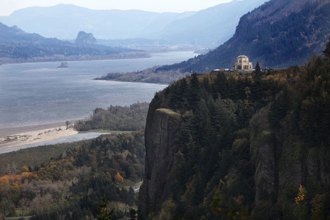 High on the cliffs at Crown Point, Vista House was originally built from 1916 to 1918 as a memorial to pioneers and a resting place for travelers on the Columbia River Gorge Highway.
