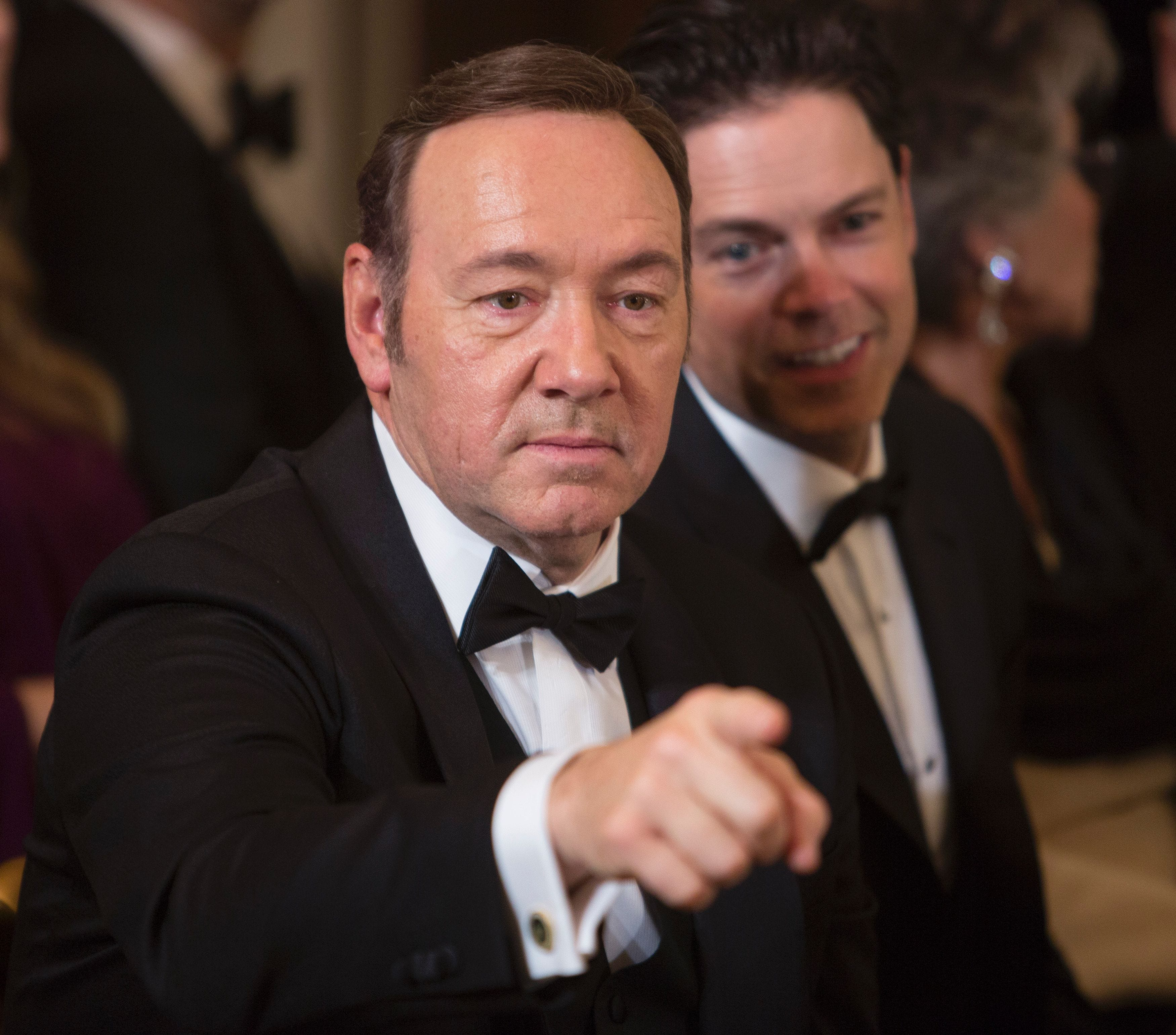 House of Cards extends production hiatus