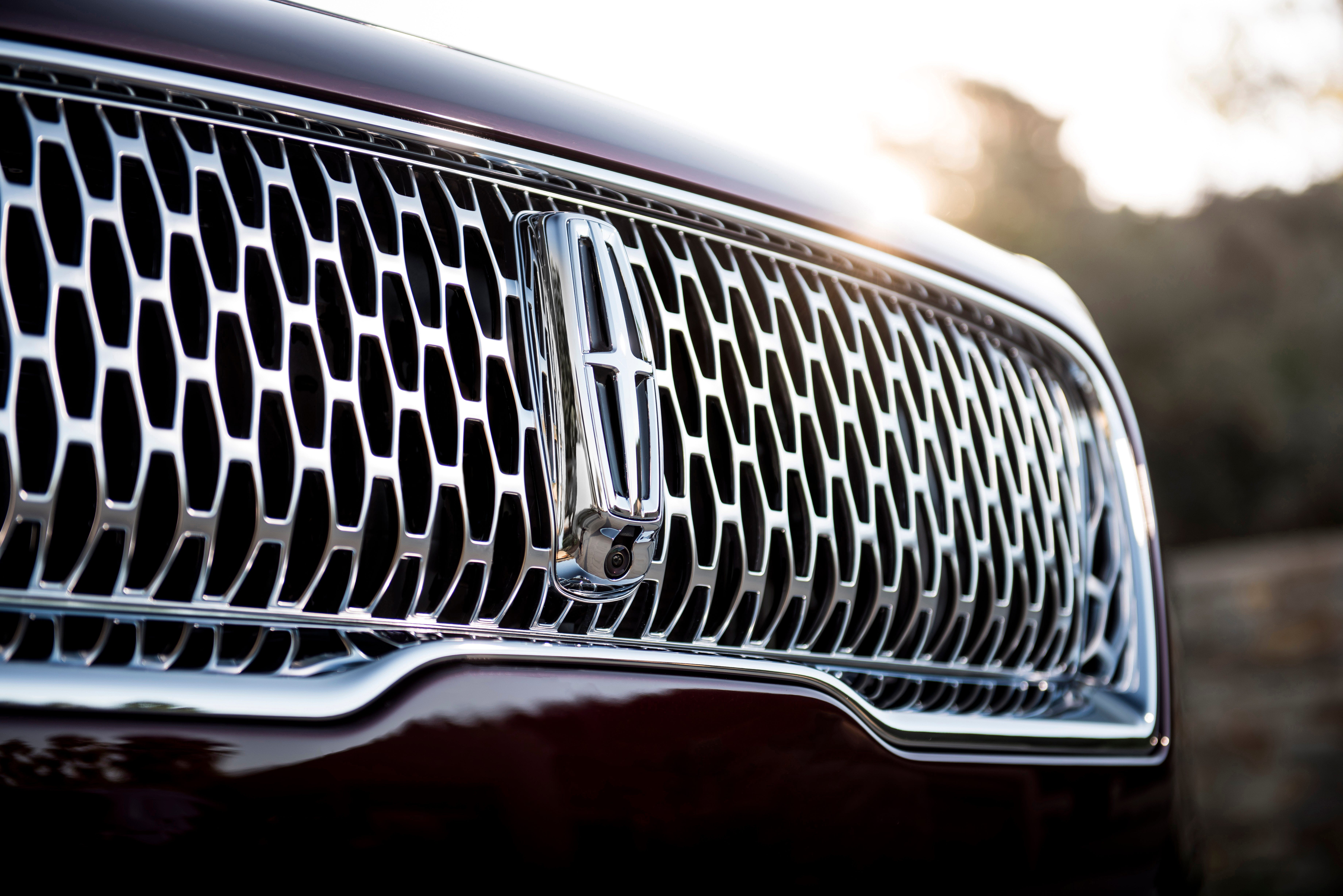 Gala, an opulent new Lincoln Black Label theme, takes