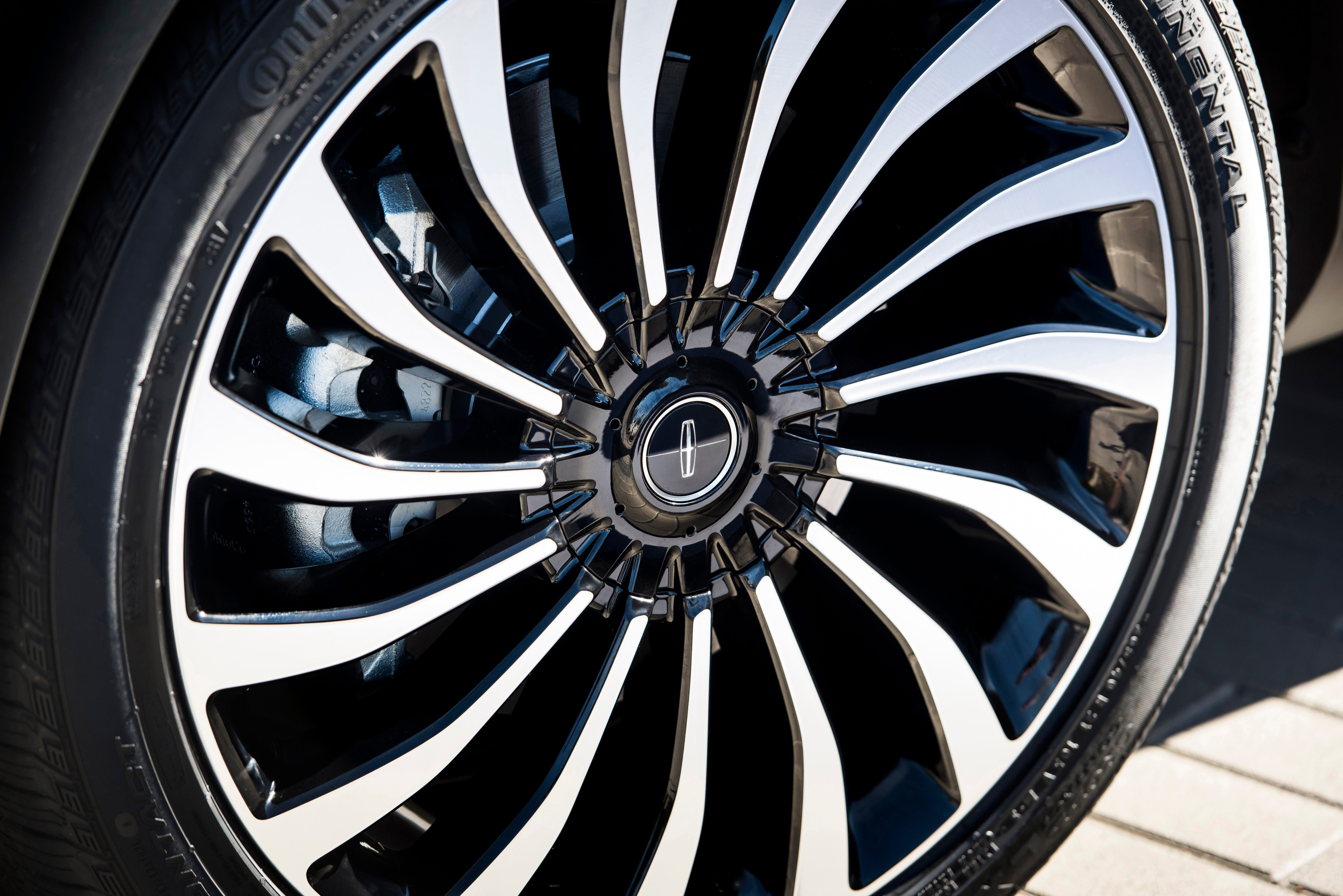 A new wheel selection allows clients to order a Lincoln