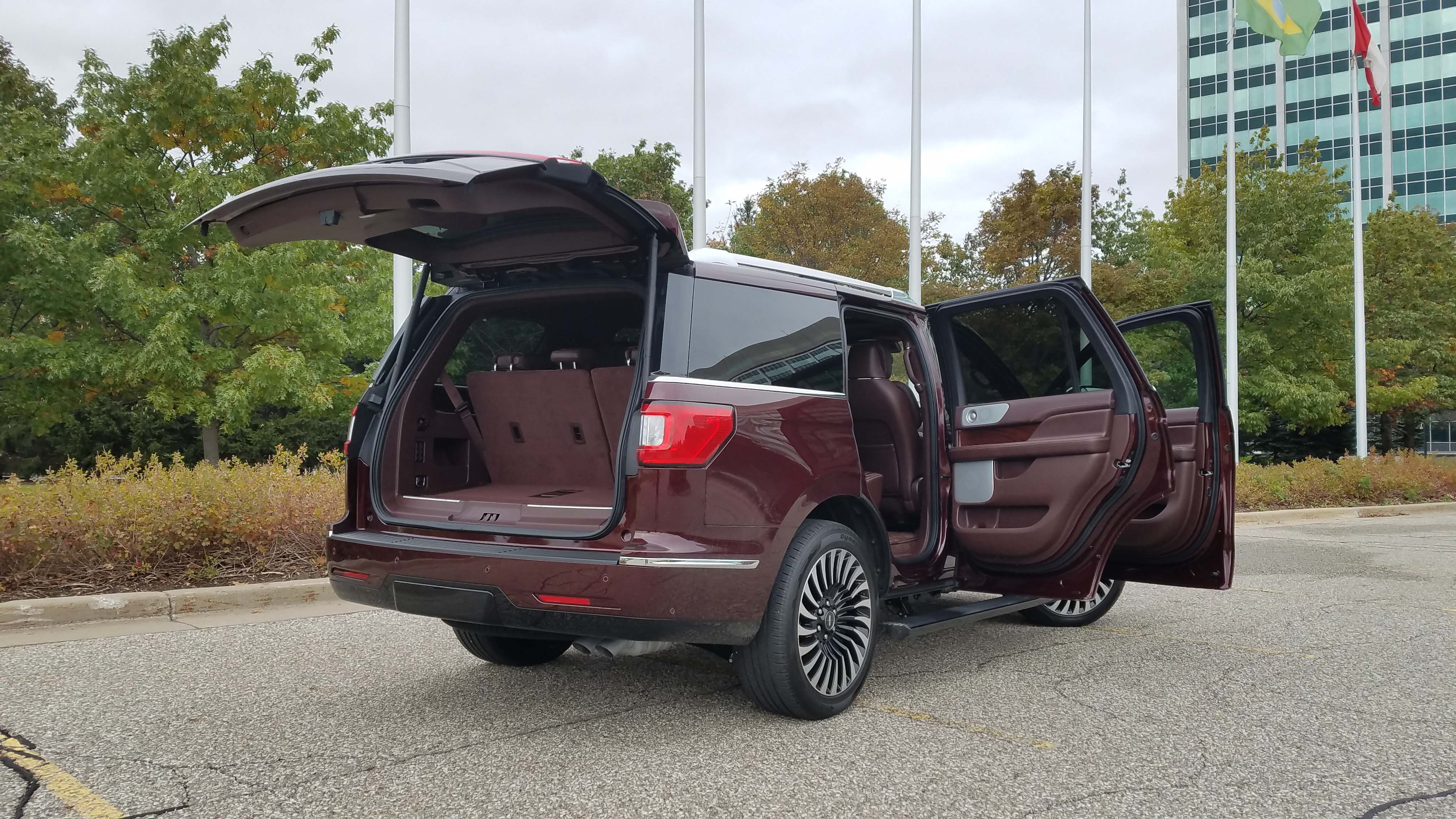 The 2018 Lincoln Navigator is a rolling condo with