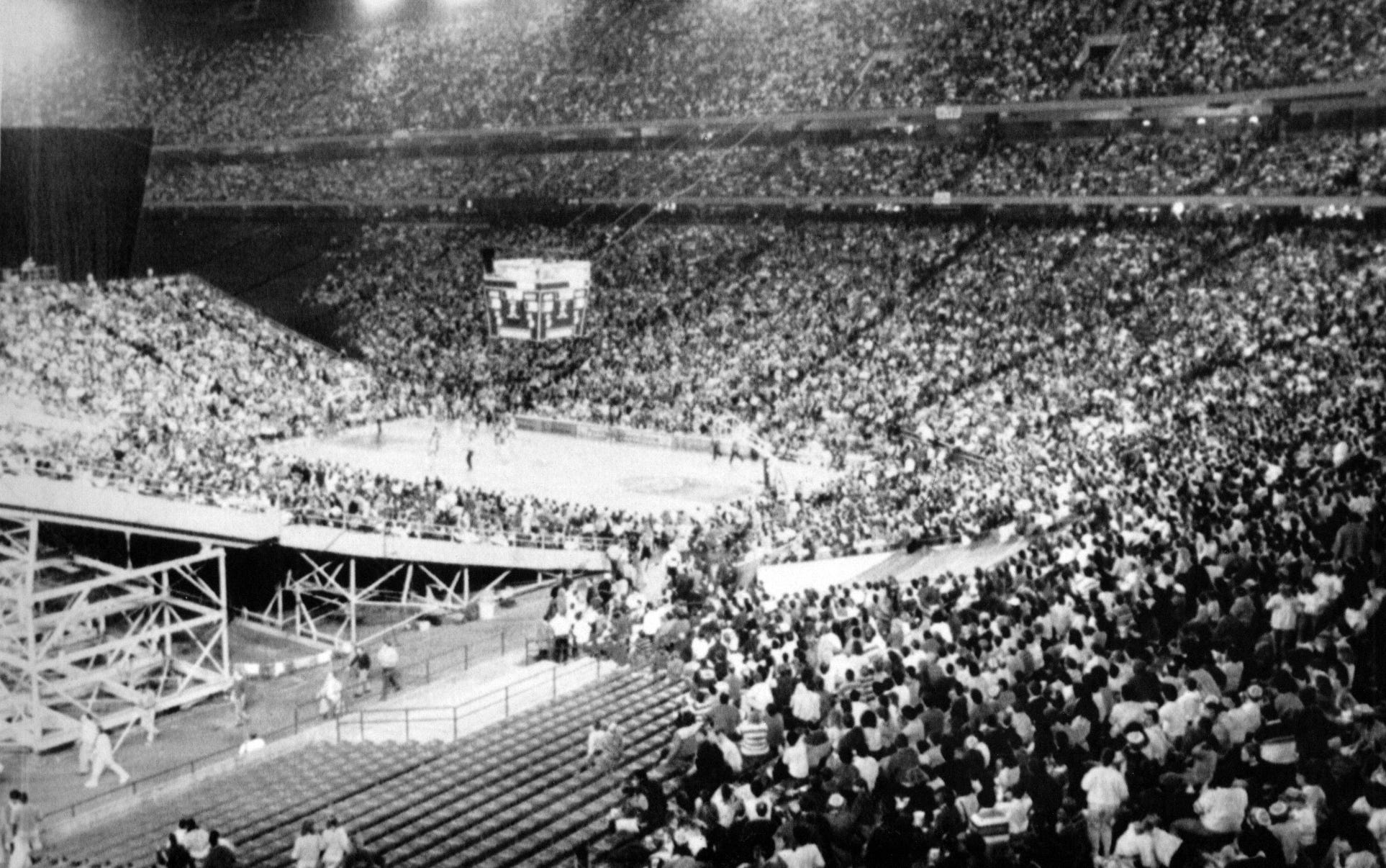 The Pistons played at the Silverdome from 1978 to 1988.
