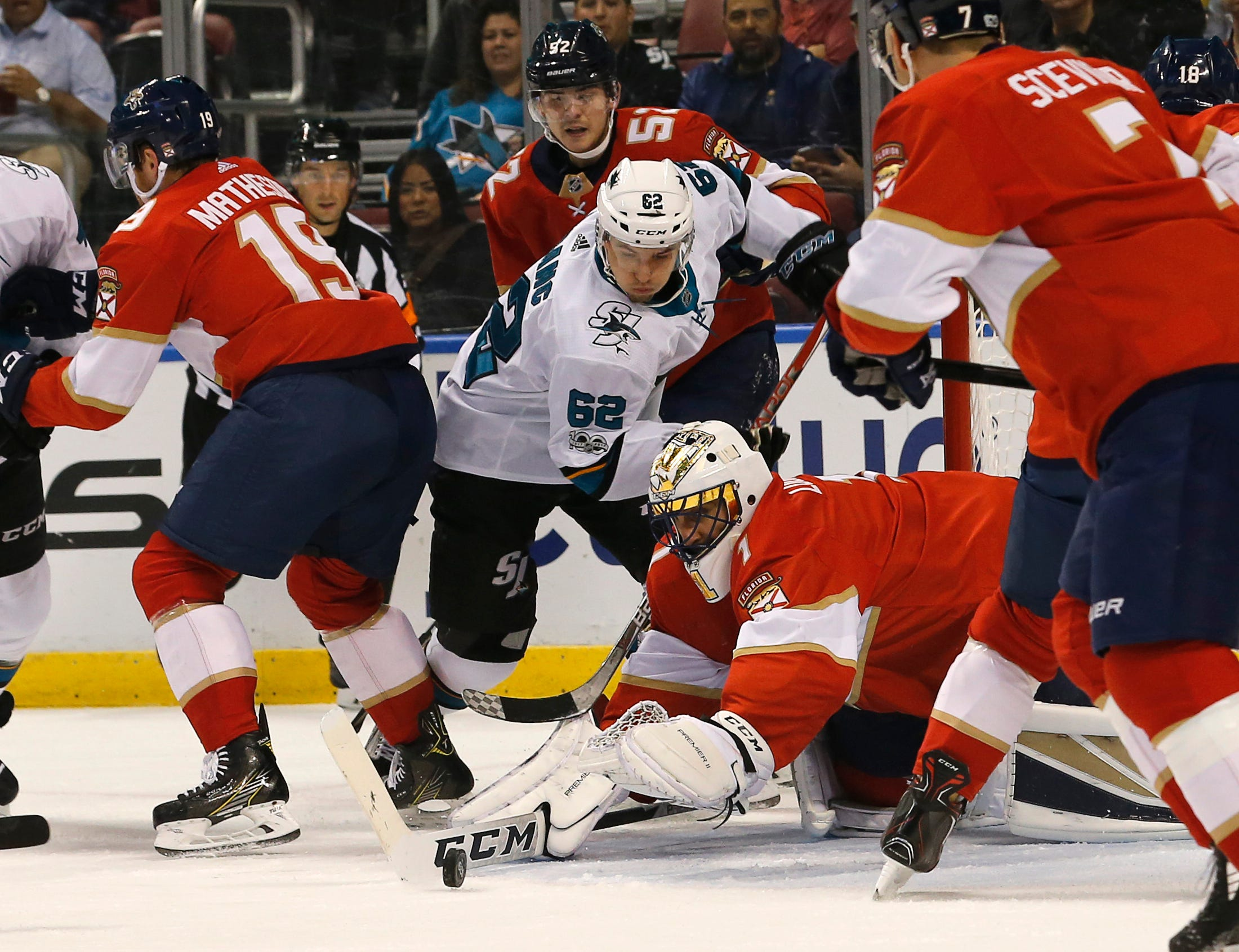 Tierney scores in 3rd to help Sharks beat Panthers 2-1