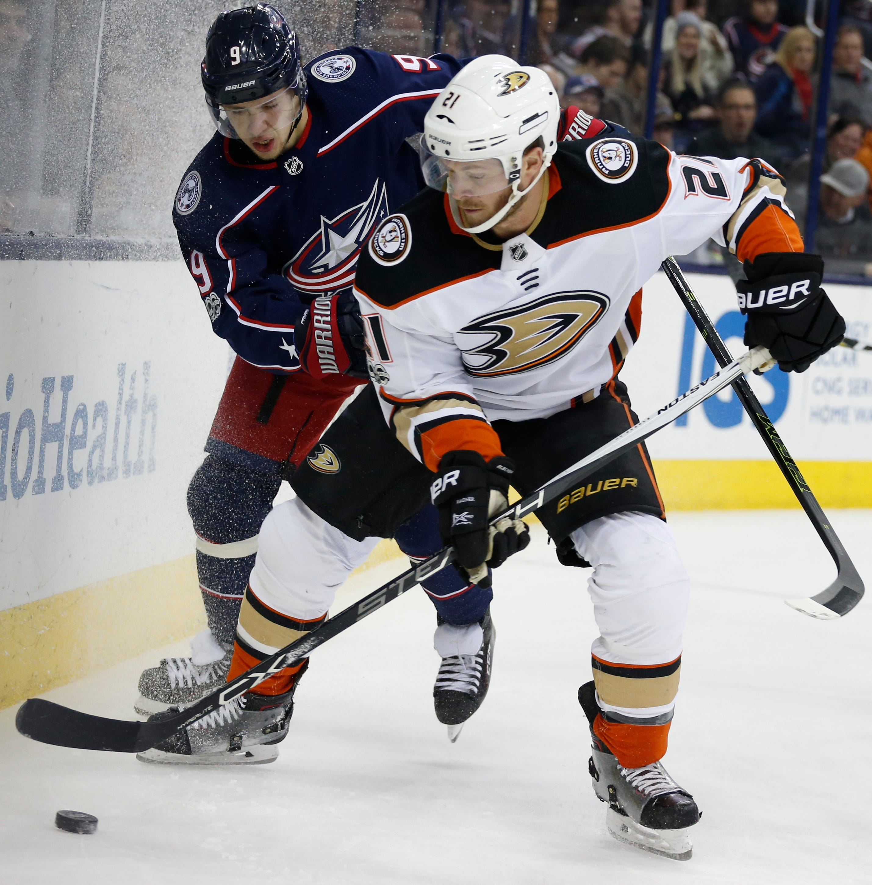 Anderson scores late in 3rd to lift Jackets over Ducks 4-2