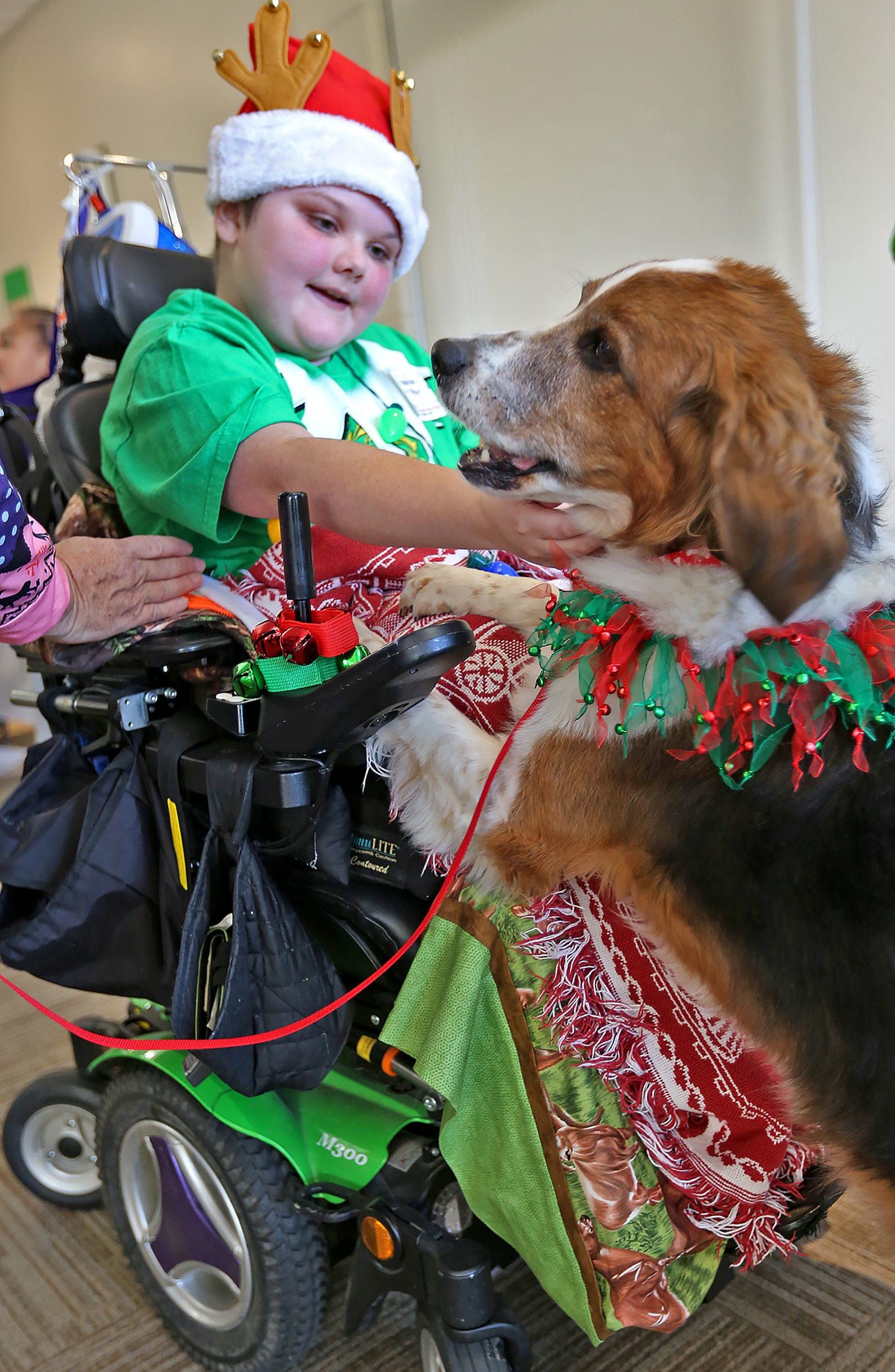 IFD, Muscular Dystrophy Family Foundation bring holiday cheer