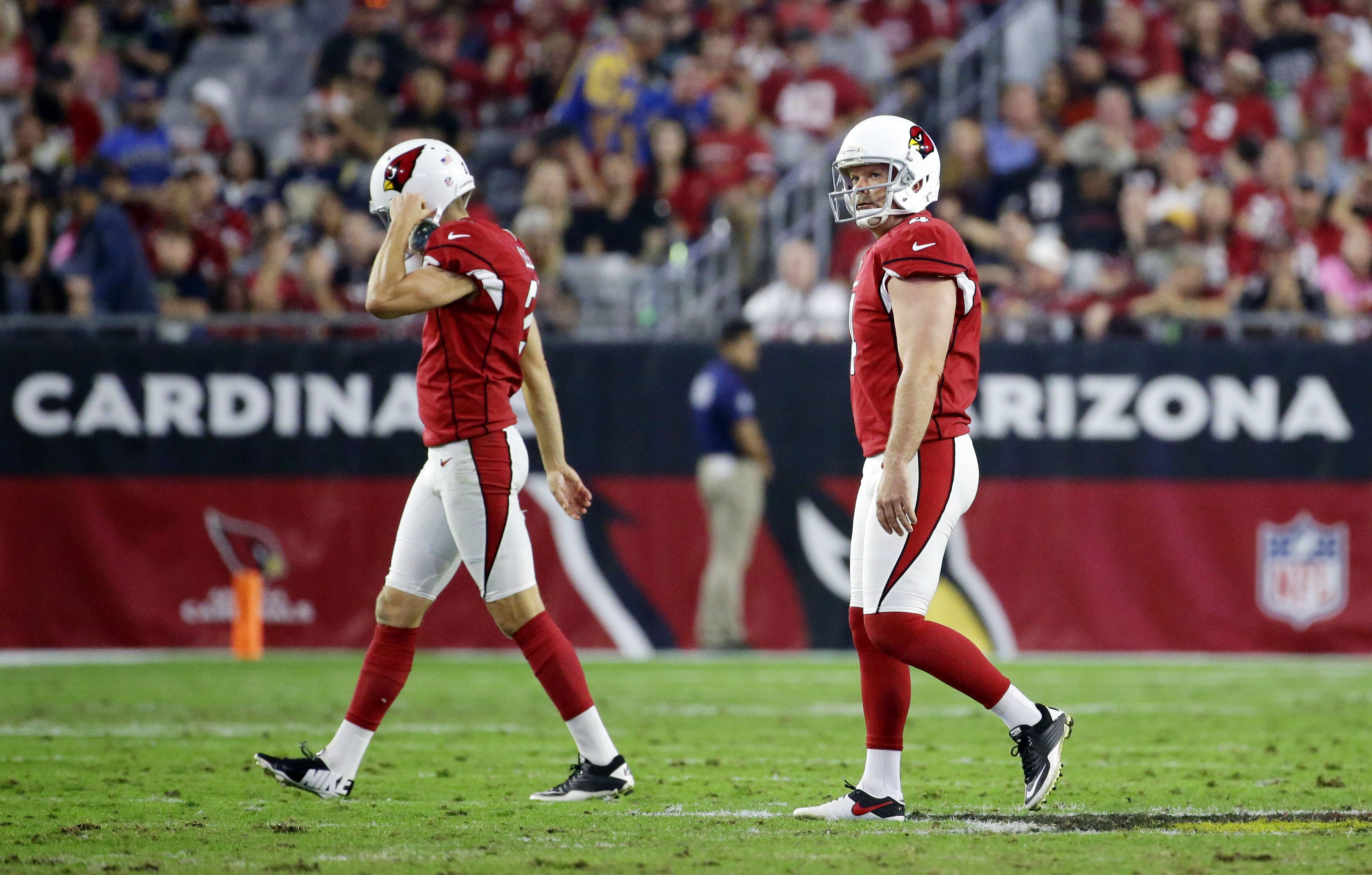 Arizona Cardinals Phil Dawson reacts after his field
