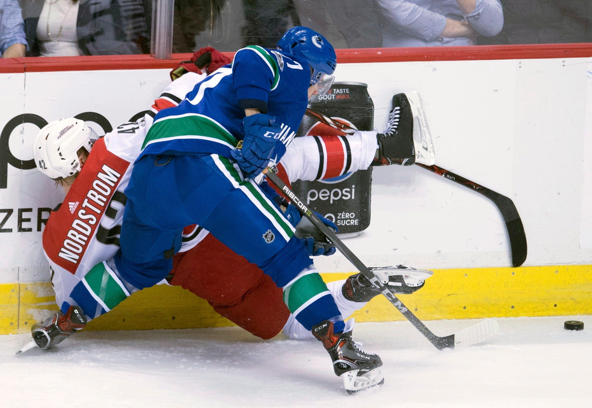 Markstrom gets 1st NHL shutout, Canucks blank Hurricanes 3-0