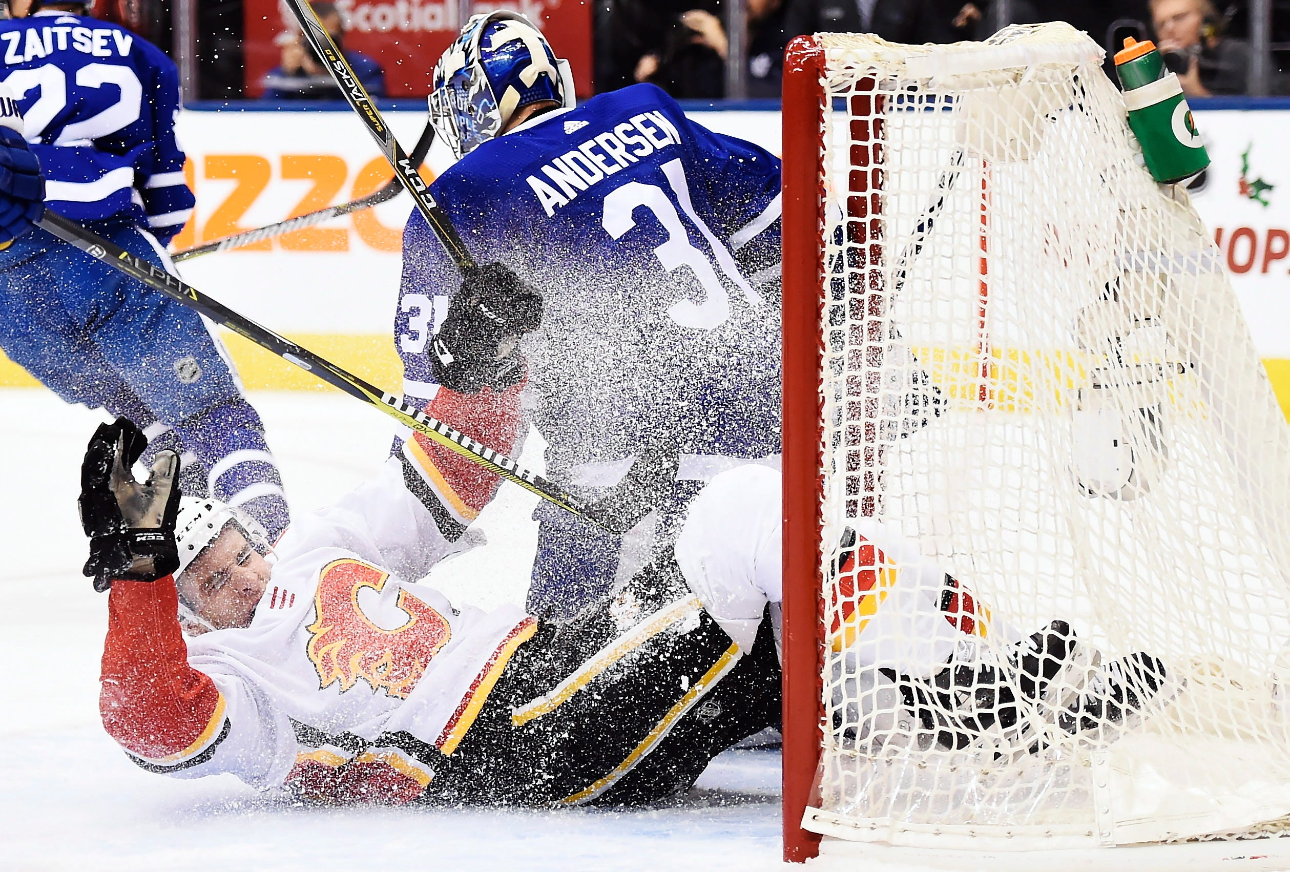 Andersen makes 47 saves, Leafs edge Flames 2-1 in shootout