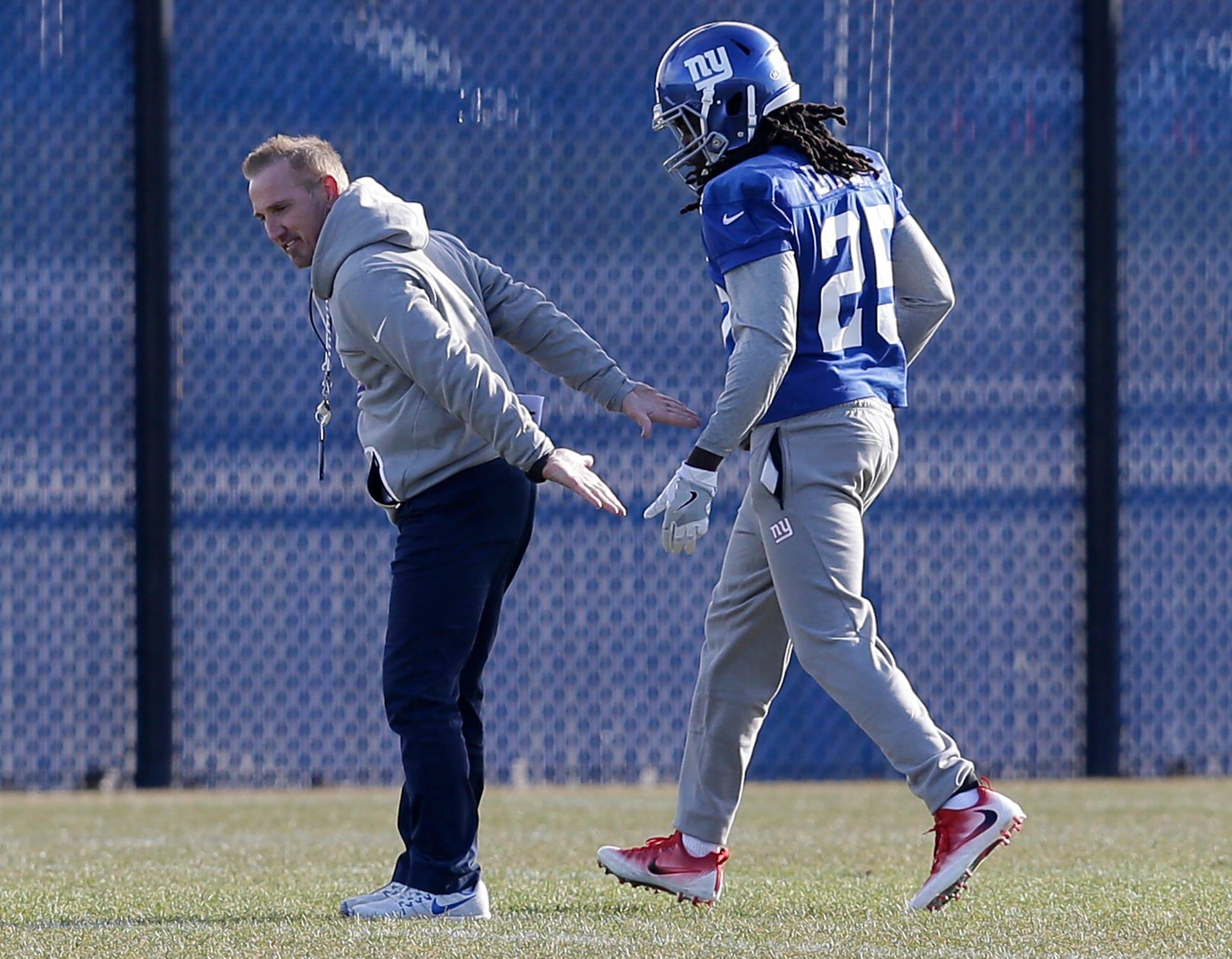 Steve Spagnuolo settling in as New York Giants interim coach