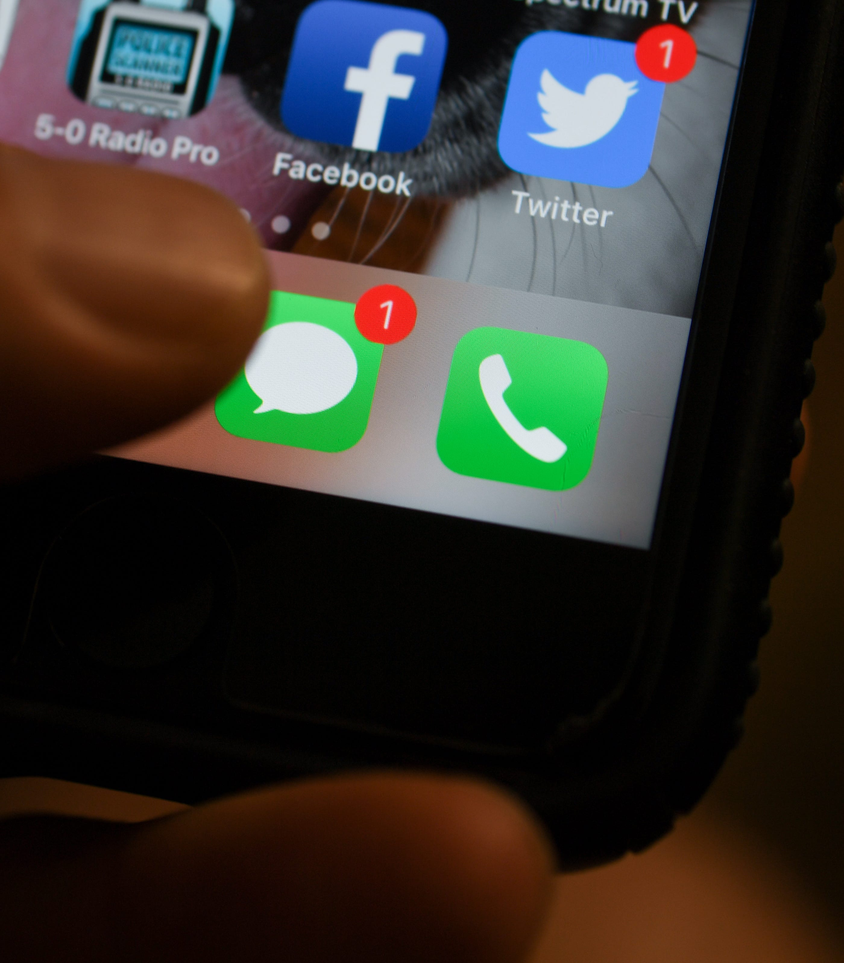 New Mexico's 'warm line' launches texting option | Las Cruces Sun