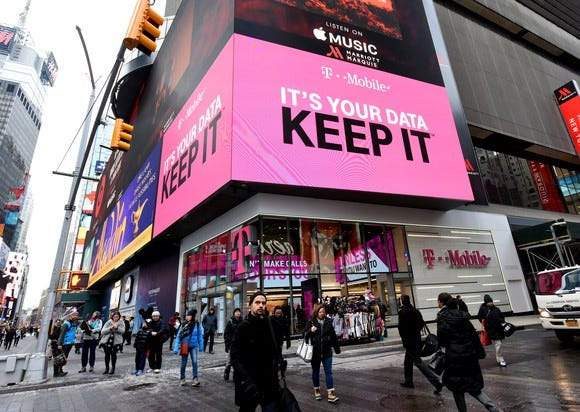 Tech's best: My 10 favorite cameras, gadgets and more of 2017 - t mobile times square large - Tech's best: My 10 favorite cameras, gadgets and more of 2017