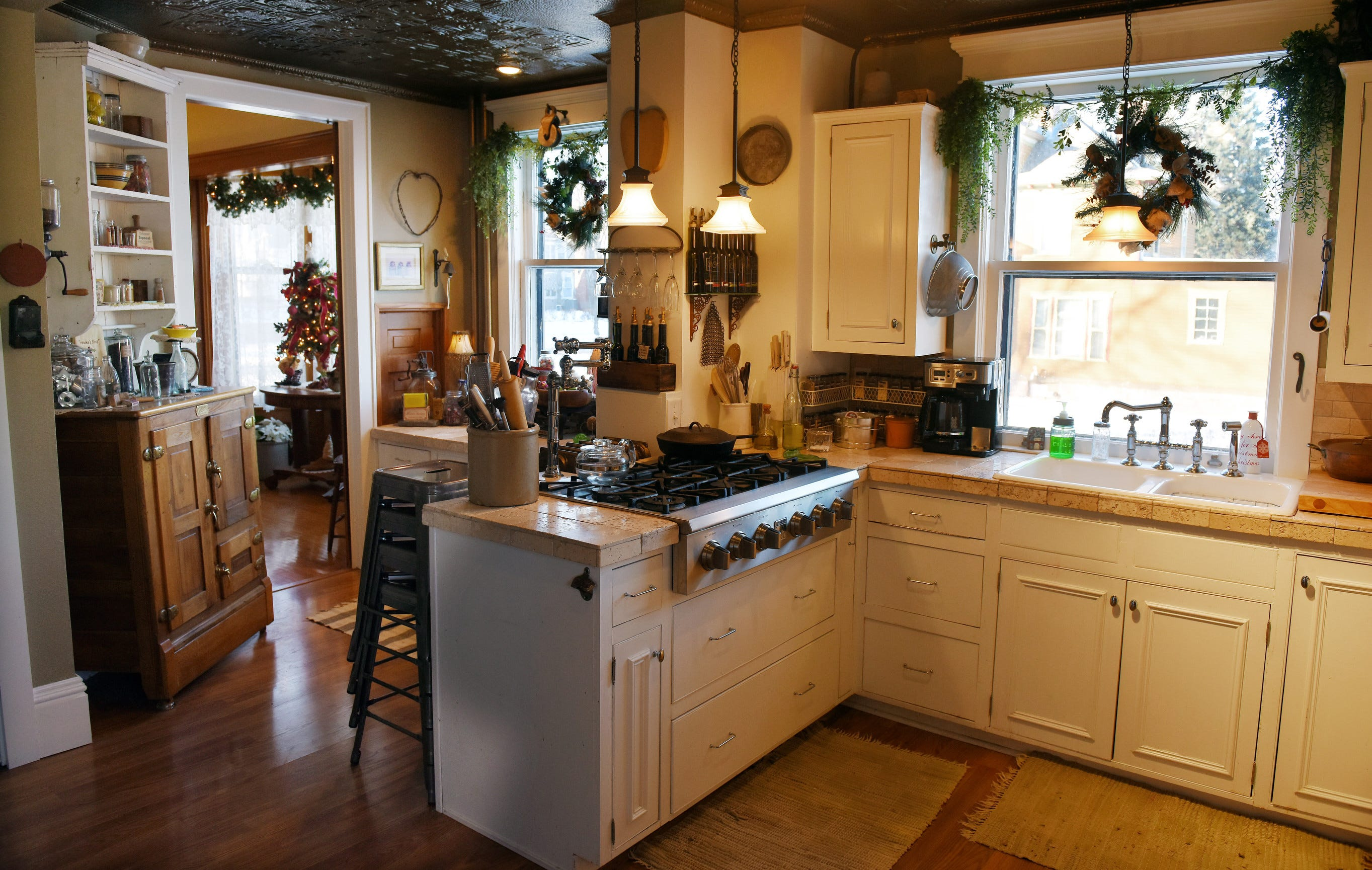 Finding Swift Solutions Of Kitchen Cabinets