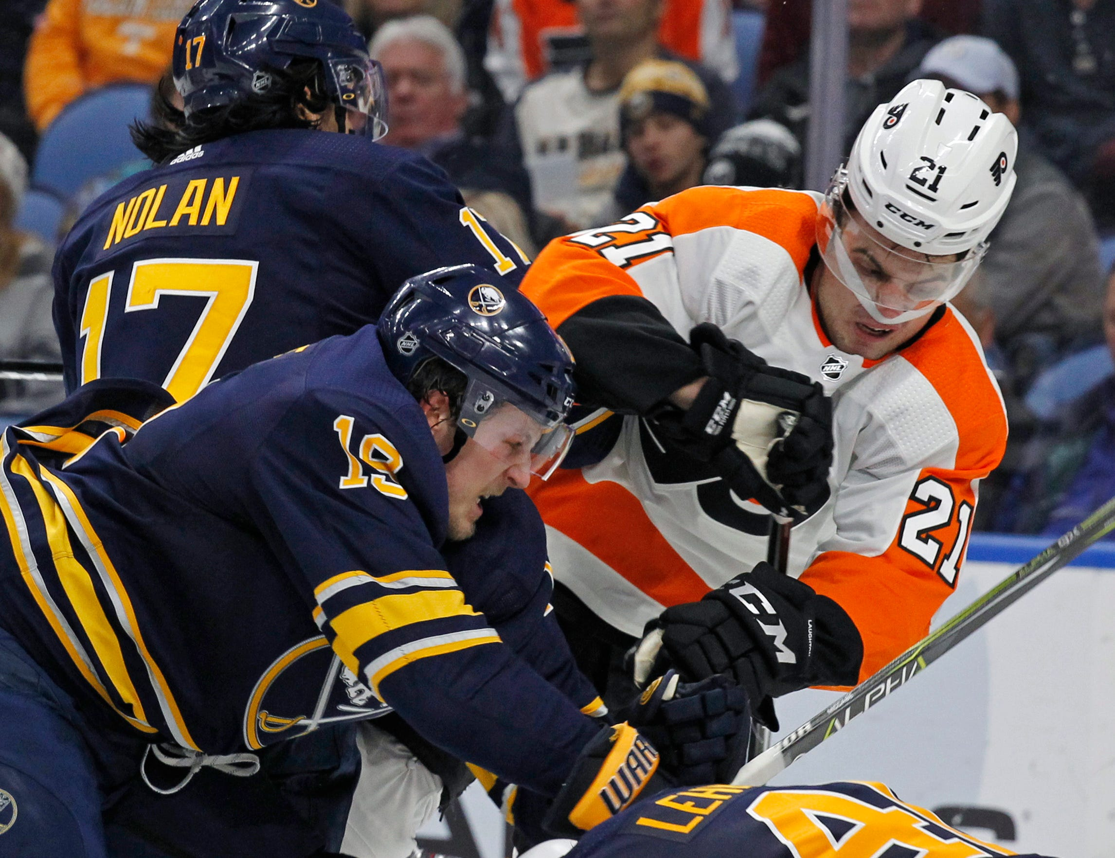 Kane has goal, assist in Sabres' 4-2 win over Flyers