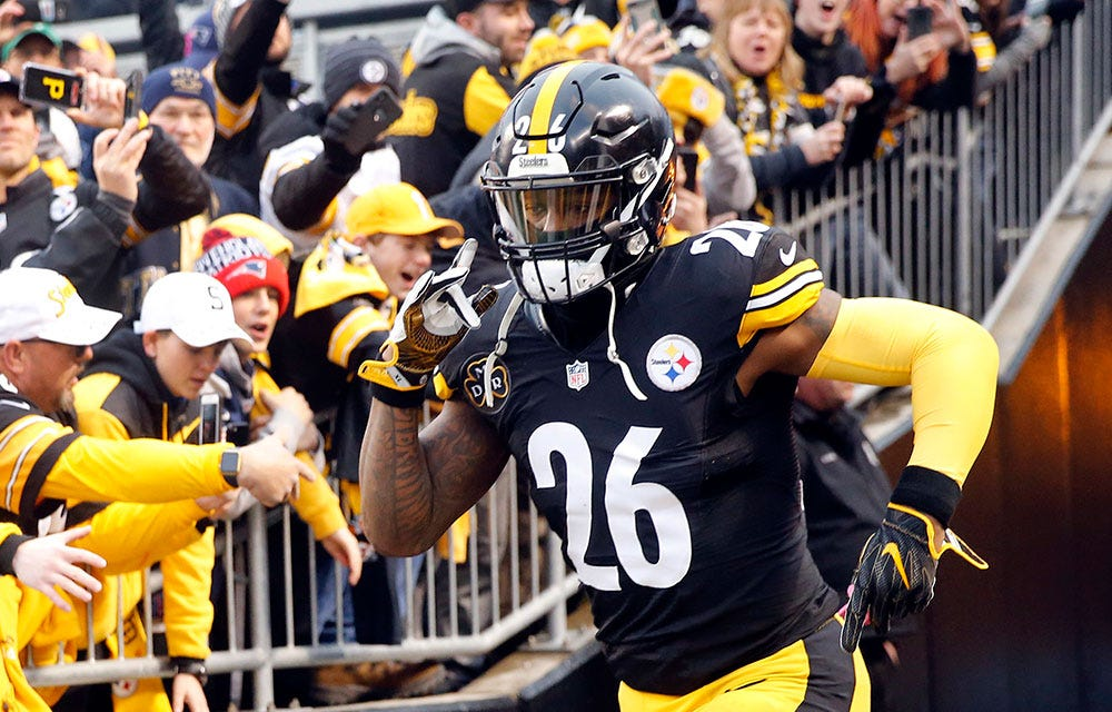 Le'Veon Bell surprises linemen with watches