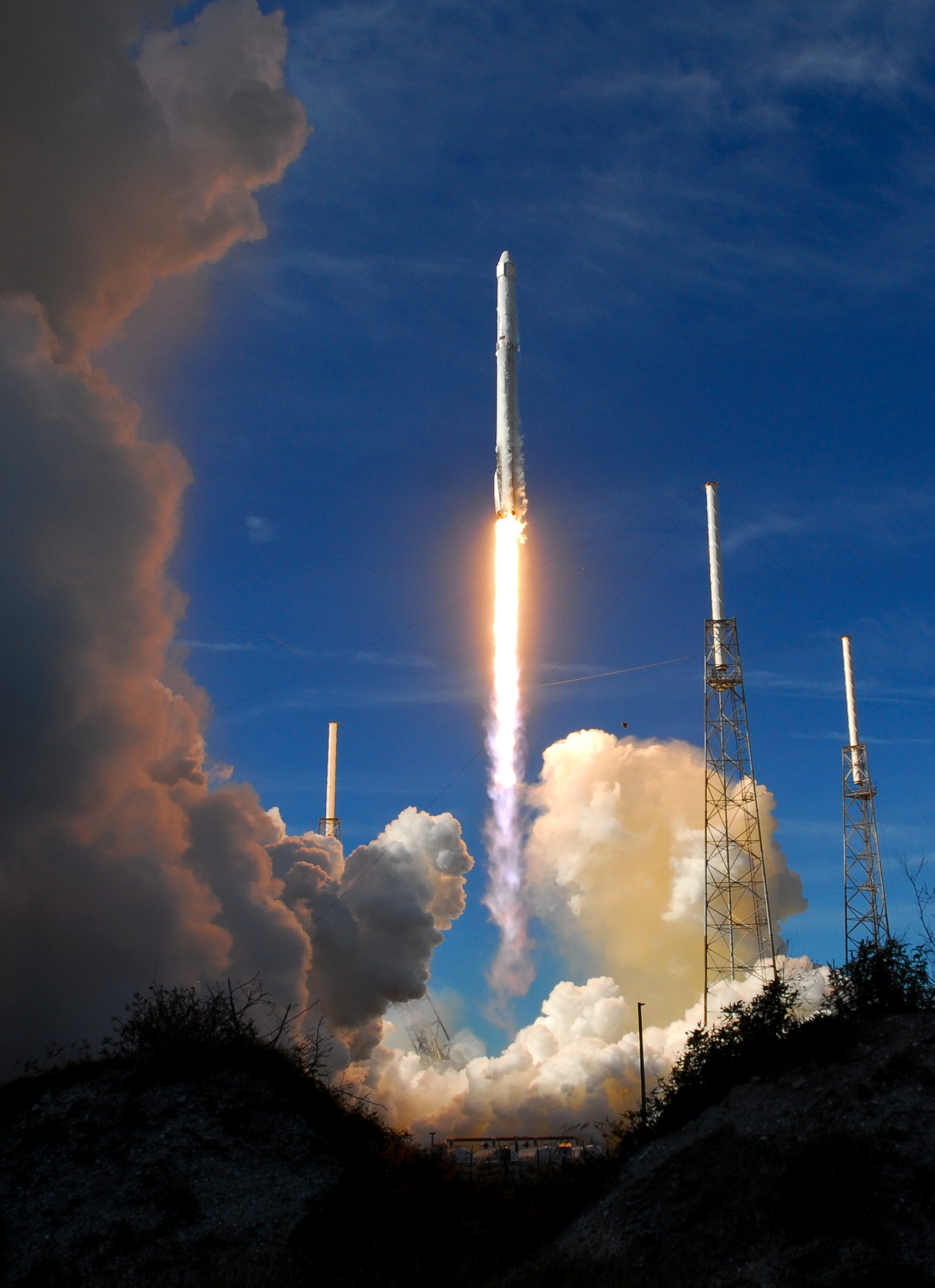 636501628591061639-crb121517-spacex-3- SpaceX scheduled to test fire Falcon Heavy rocket soon